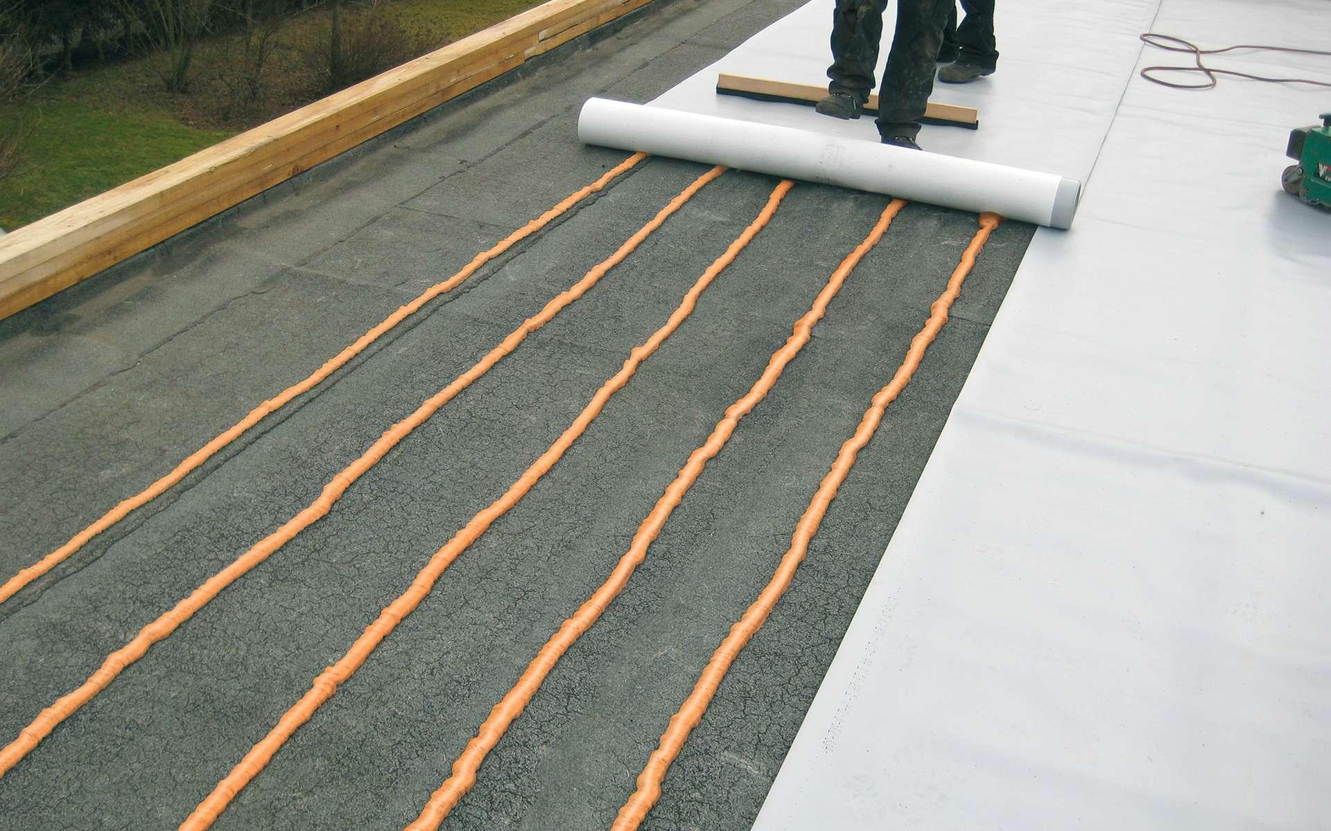 Le cool roof permet de rafraîchir les locaux, lors des fortes chaleurs estivales. © Siplast (Monarplan FM)