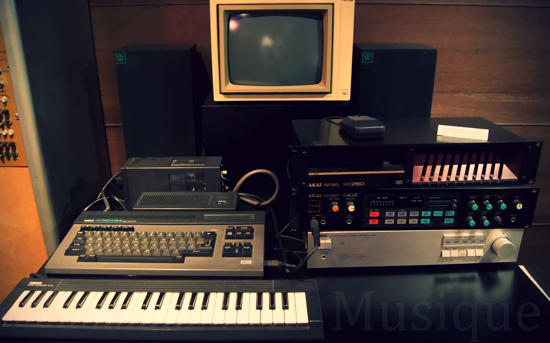 La MAO, ou musique assistée par ordinateur, est utilisée dans toute la chaîne musicale via l'informatique. © Musée des Instruments de musique de Bruxelles