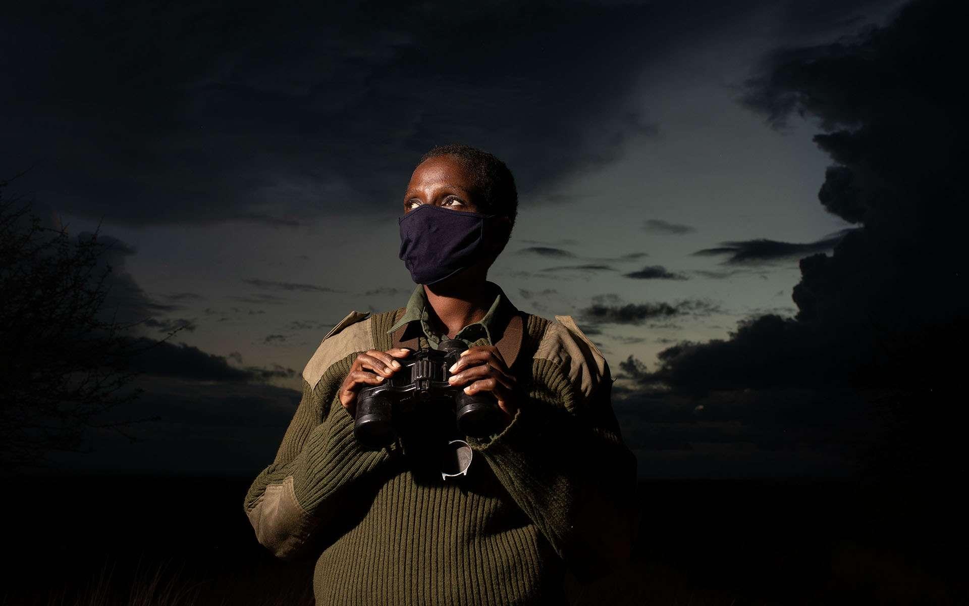 En protégeant les animaux en voie de disparition, les rangers mettent leur vie en danger. © IFAW