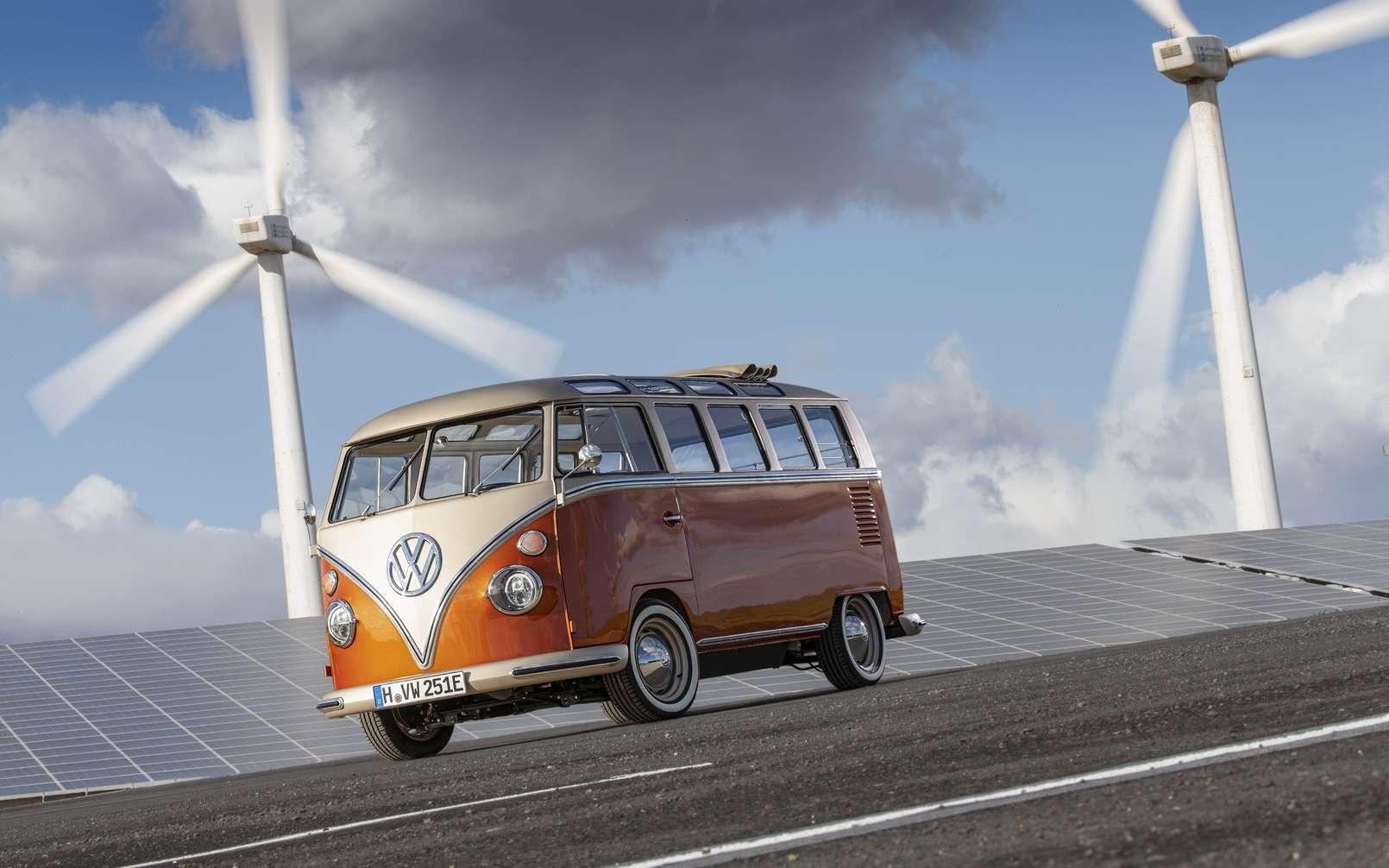 Le Volkswagen e-Bulli conçu sur la base d'un combi T1 Samba Bus de 1966. © Volkswagen