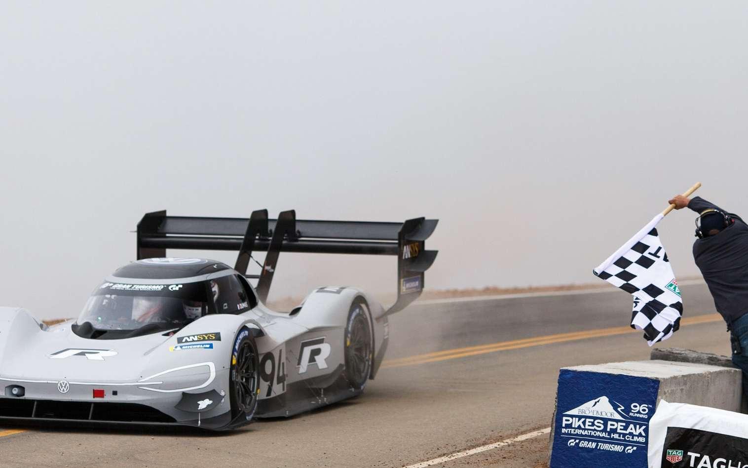 La voiture de course électrique ID R Pikes Peak de Volkswagen. © Volkswagen