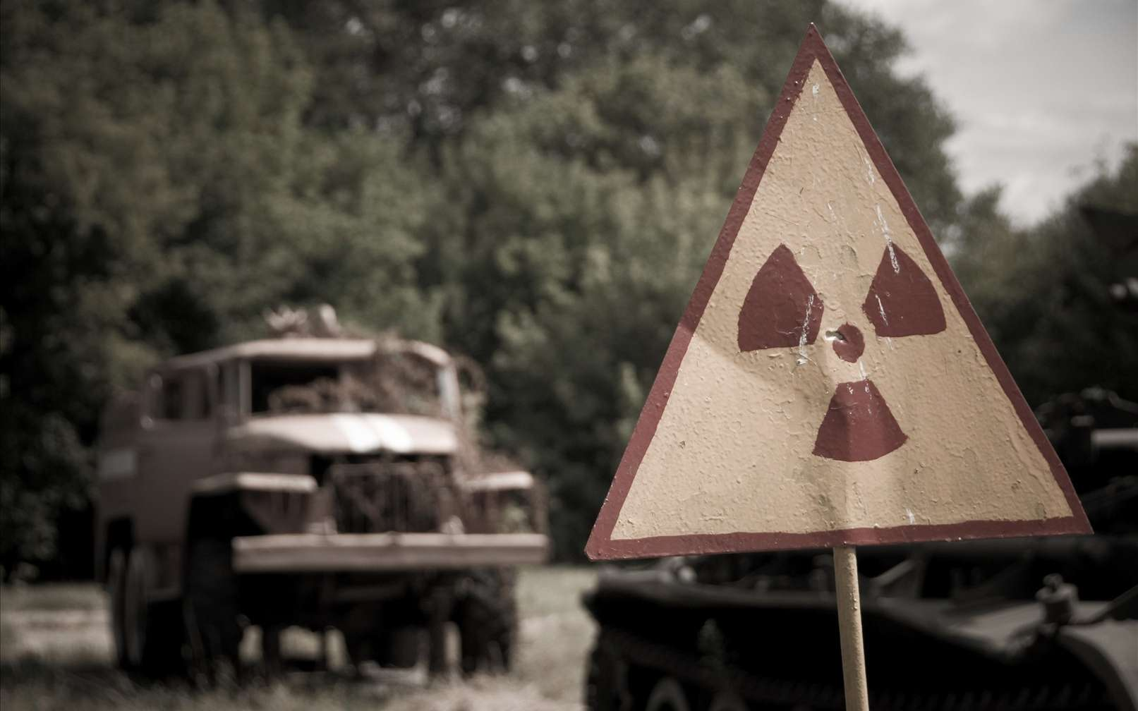 L'environnement est source de cancer. Les changements sociaux et de modes de vie des dernières années (pesticides, produits chimiques, énergie nucléaire et accidents comme ici à Tchernobyl, amiante etc.) peuvent induire des conséquences négatives sur notre santé. Si le lien paraît parfois manifeste, dans d'autres situations il est beaucoup plus complexe à déterminer... © Marco Fieber, Fotopédia, cc by nc nd 2.0