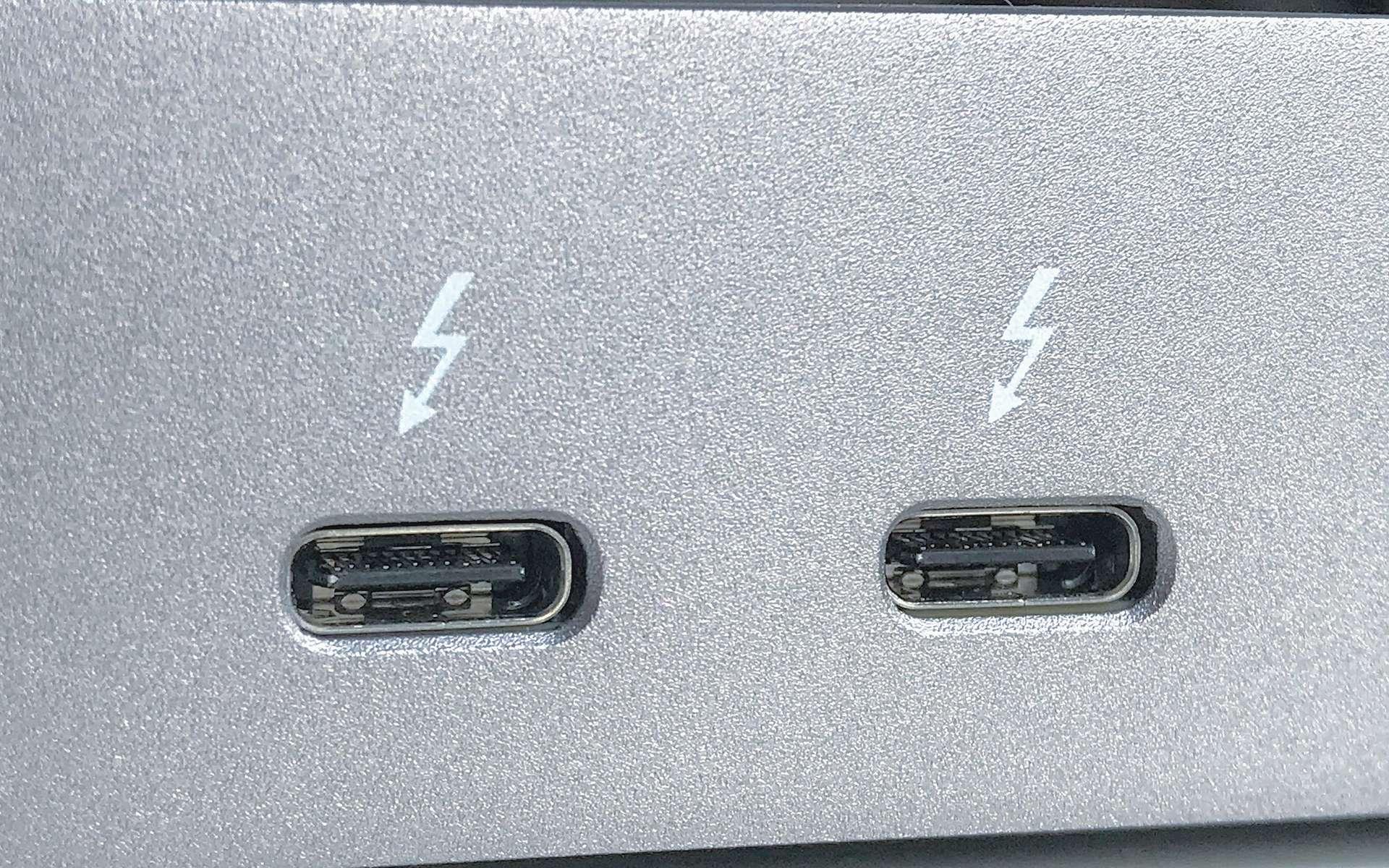 Thunderbolt désigne une interface développée par Intel en collaboration avec Apple. © Amin, Wikimedia Commons, CC by-sa 4.0