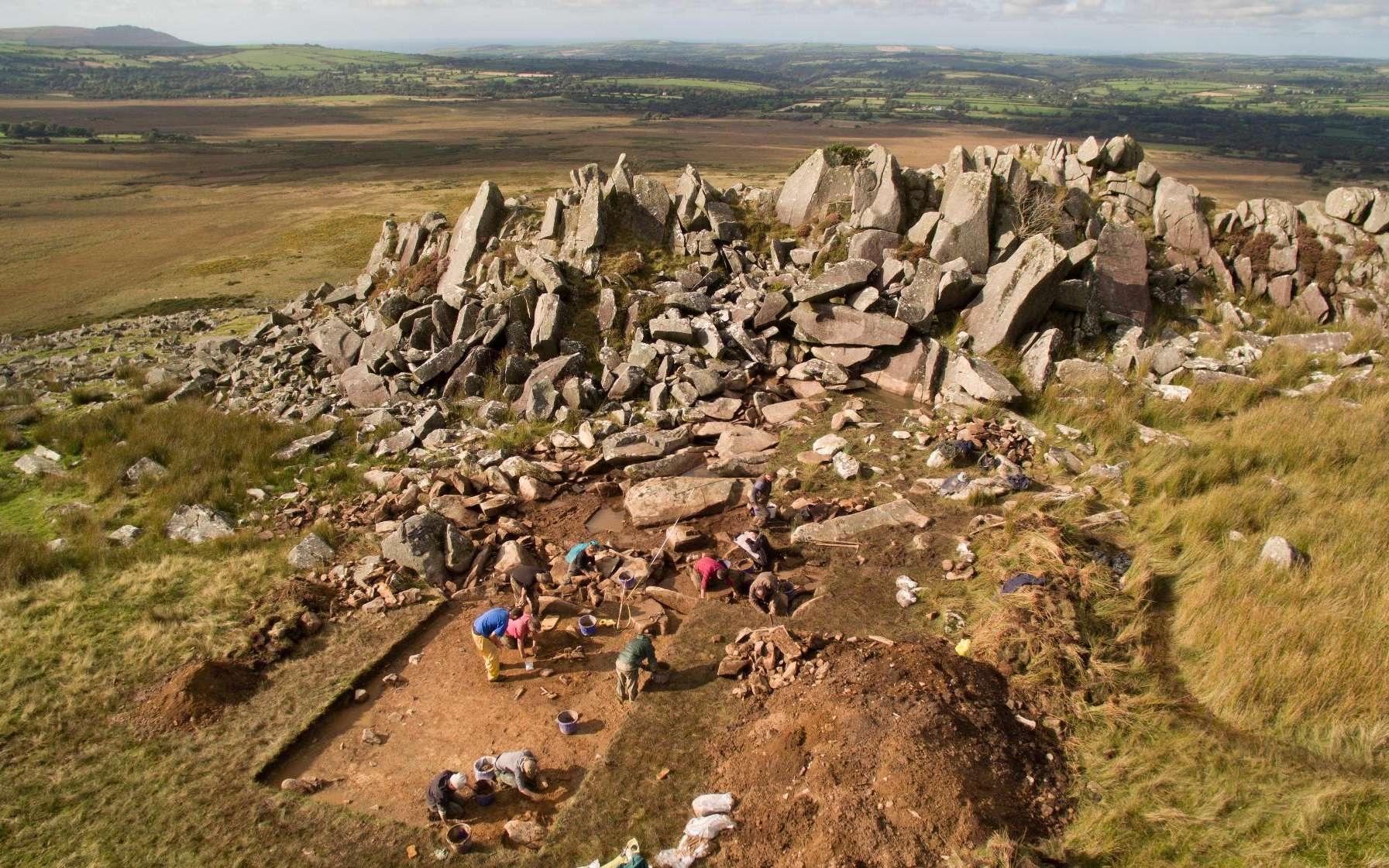 L'un des sites de Preselli Hills en pleine fouille par les archéologues. Certaines des pierres bleues de Stonehenge en proviendraient. © University of Southampton