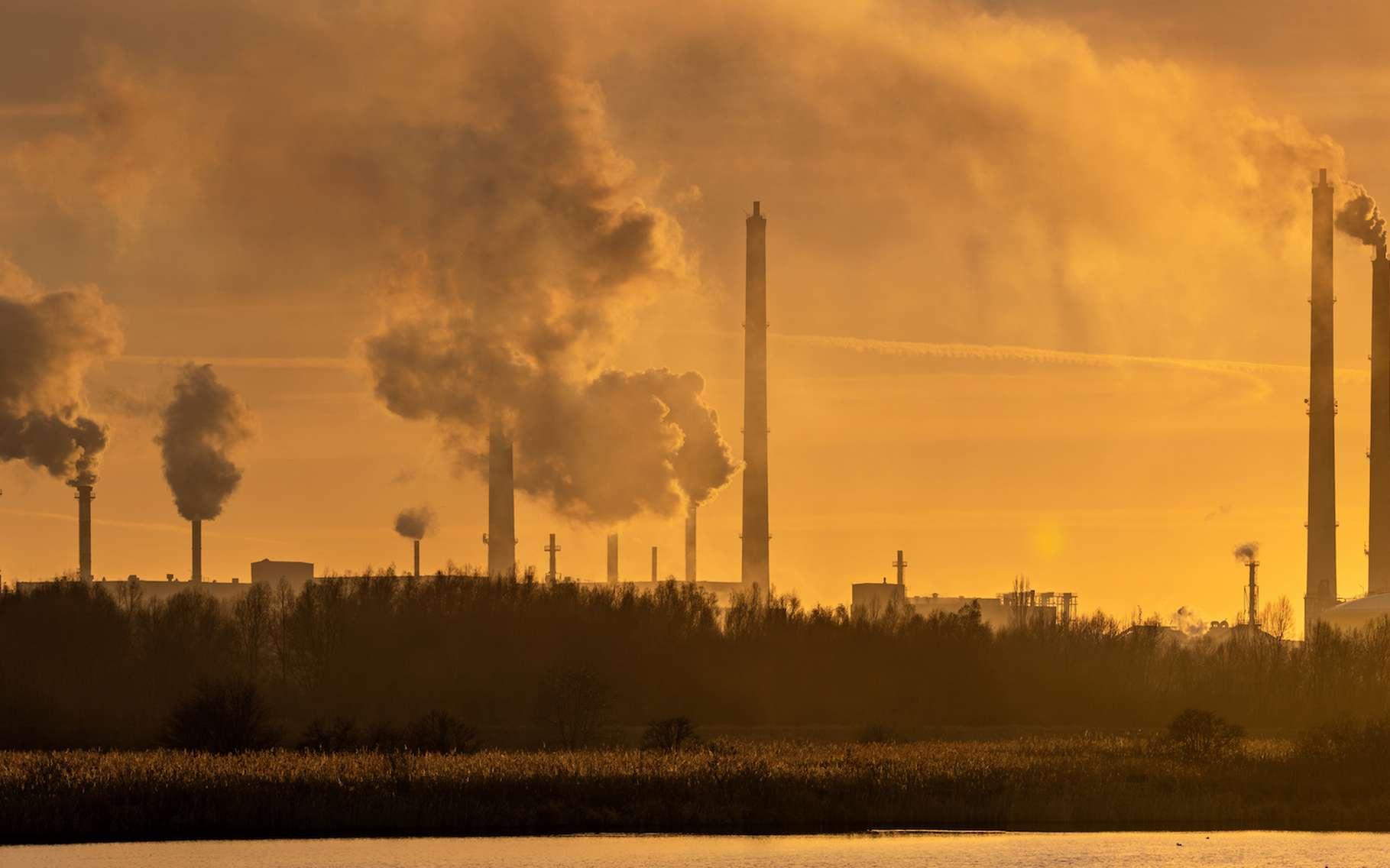 Depuis plus de 20 ans, nous émettons des gaz à effet de serre vers l'atmosphère de notre Terre. Jusqu'où irons-nous ? © Mike Mareen, Adobe Stock