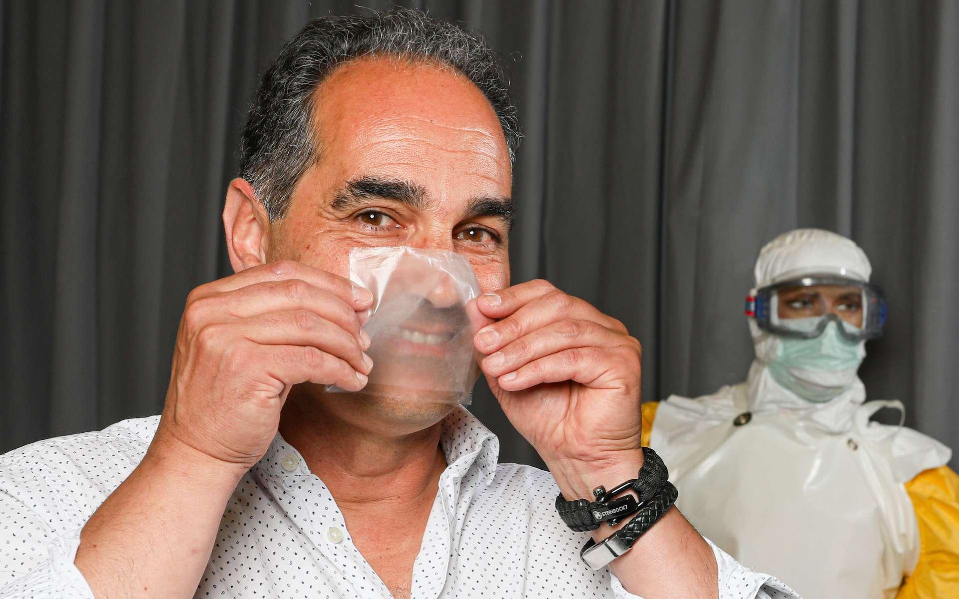 Thierry Pelet, futur directeur de la start-up suisse HMCARE à l'origine d'un masque chirurgical transparent. © Alain Herzog, EPFL