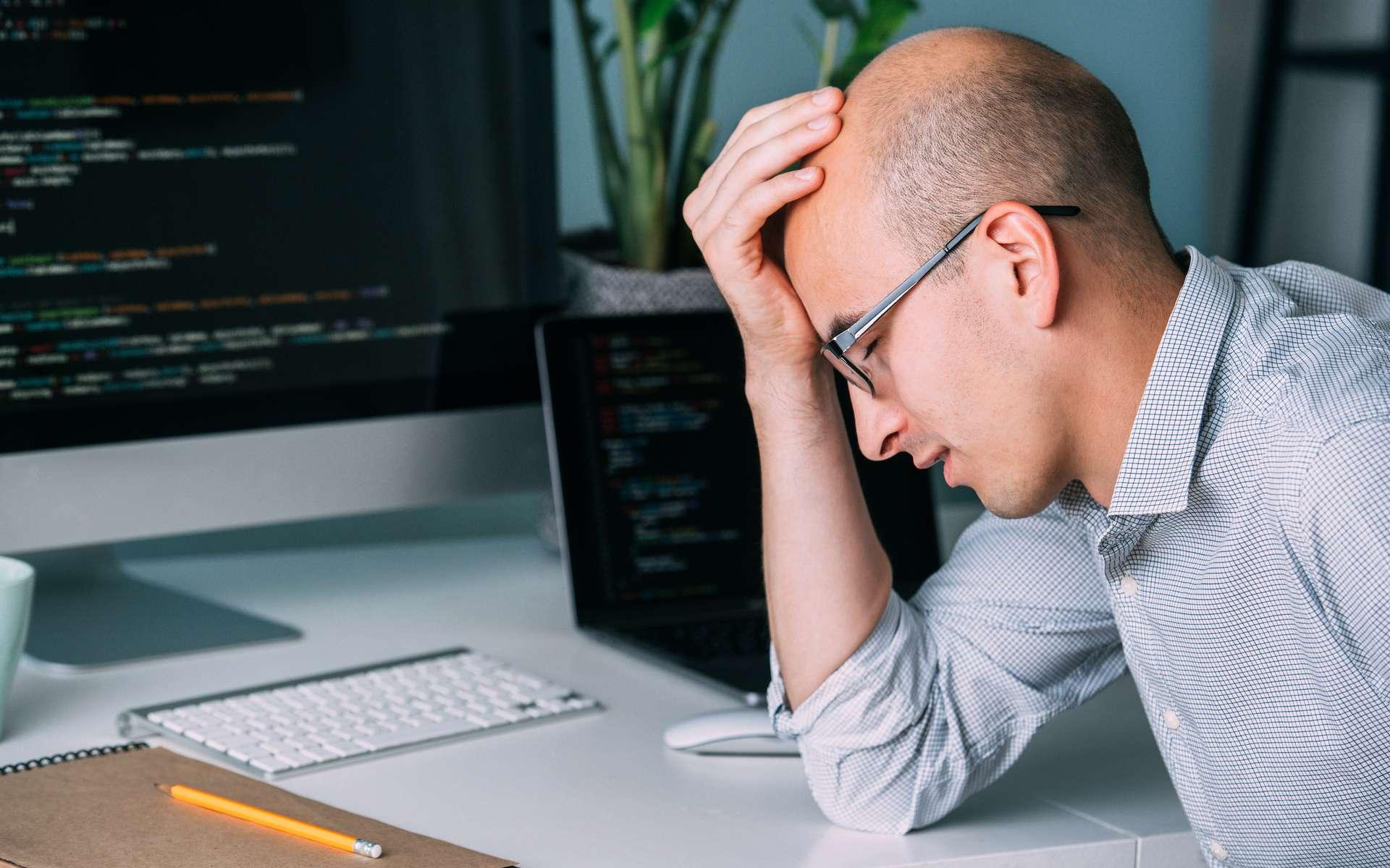 Les salariés français souffrent de détresse psychologique. © zzzdim, Adobe Stock