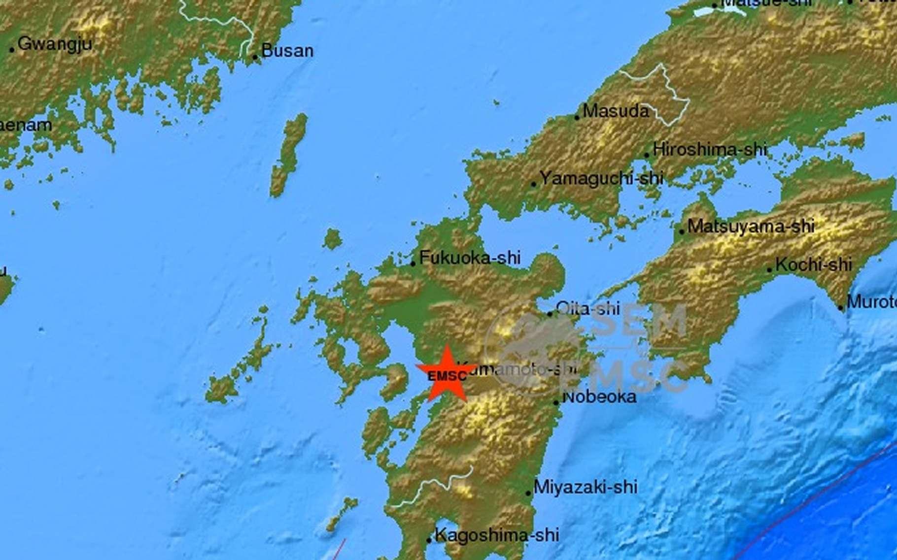 La série de séismes s'est produite au sud de l'archipel nippon, sur l'île de Kyūshū. Les magnitudes, qui déterminent la puissance de l'évènement, varient selon les sources. © CSEM/EMSC