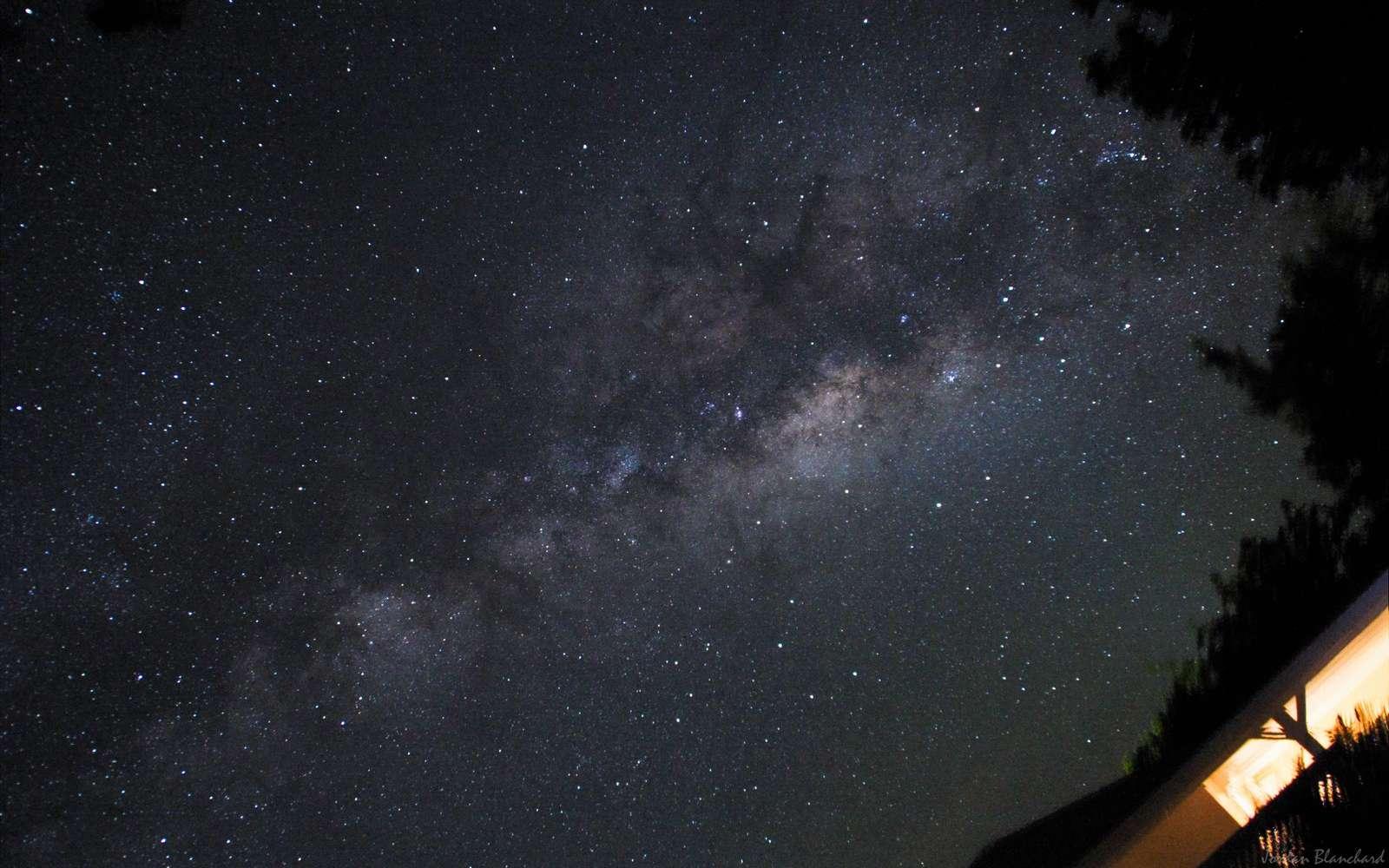 La Voie lactée saisie dans toute sa splendeur depuis les Antilles françaises. © J. Blanchard
