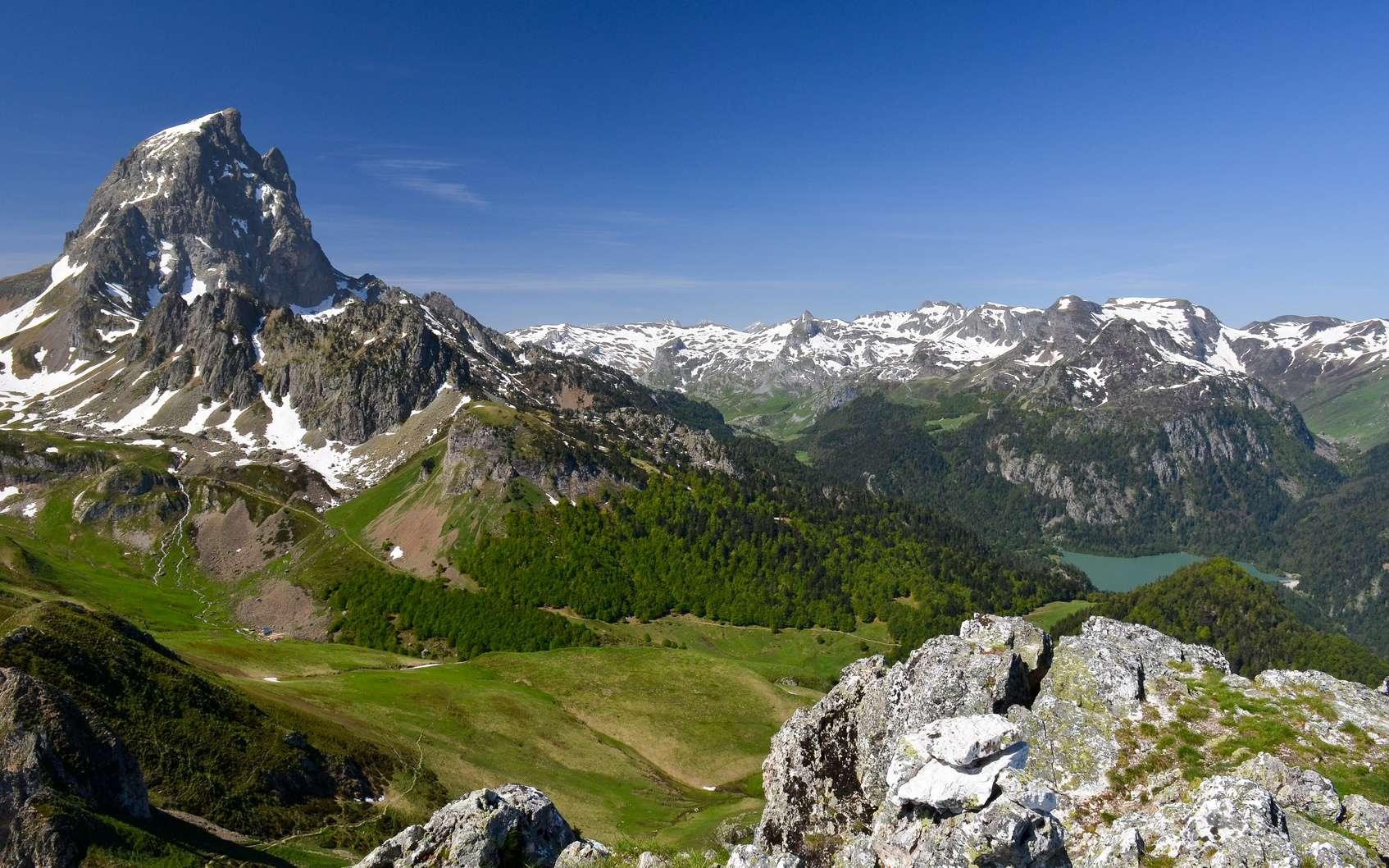 Quelles sont les meilleures randonnées de France ? Ici, le pic du Midi d'Ossau, dans les Pyrénées. © Yvann K, Fotolia
