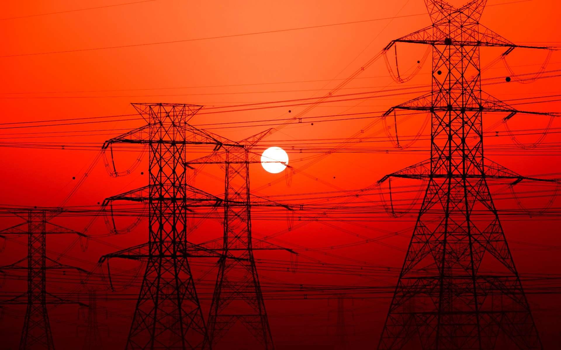 Une ligne à haute tension pour alimenter l'Europe en électricité chinoise ? © Ahi Alsaeedi, Unsplash