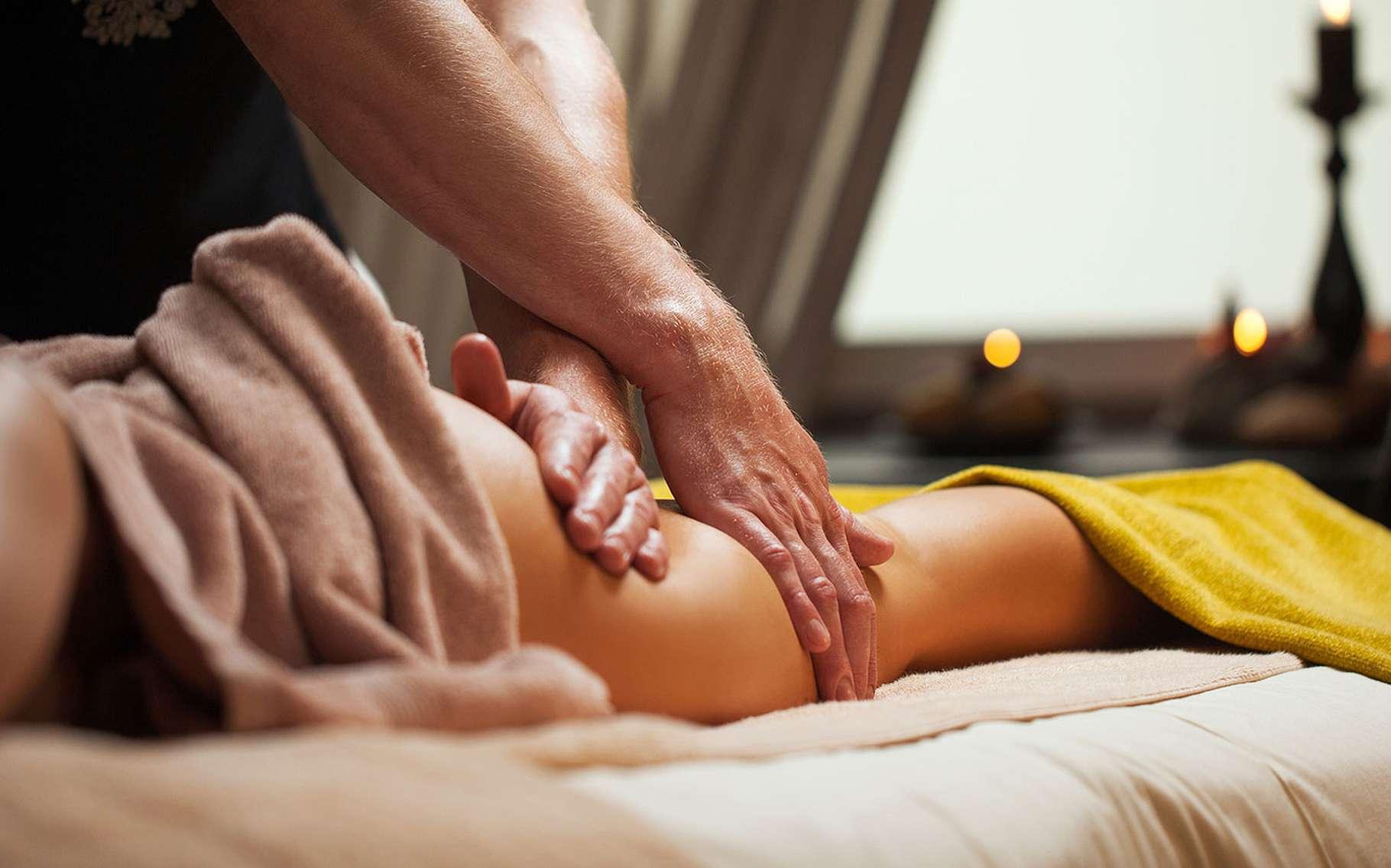 Traitement de la cellulite par des massages. © Yeko Photo Studio, Fotolia