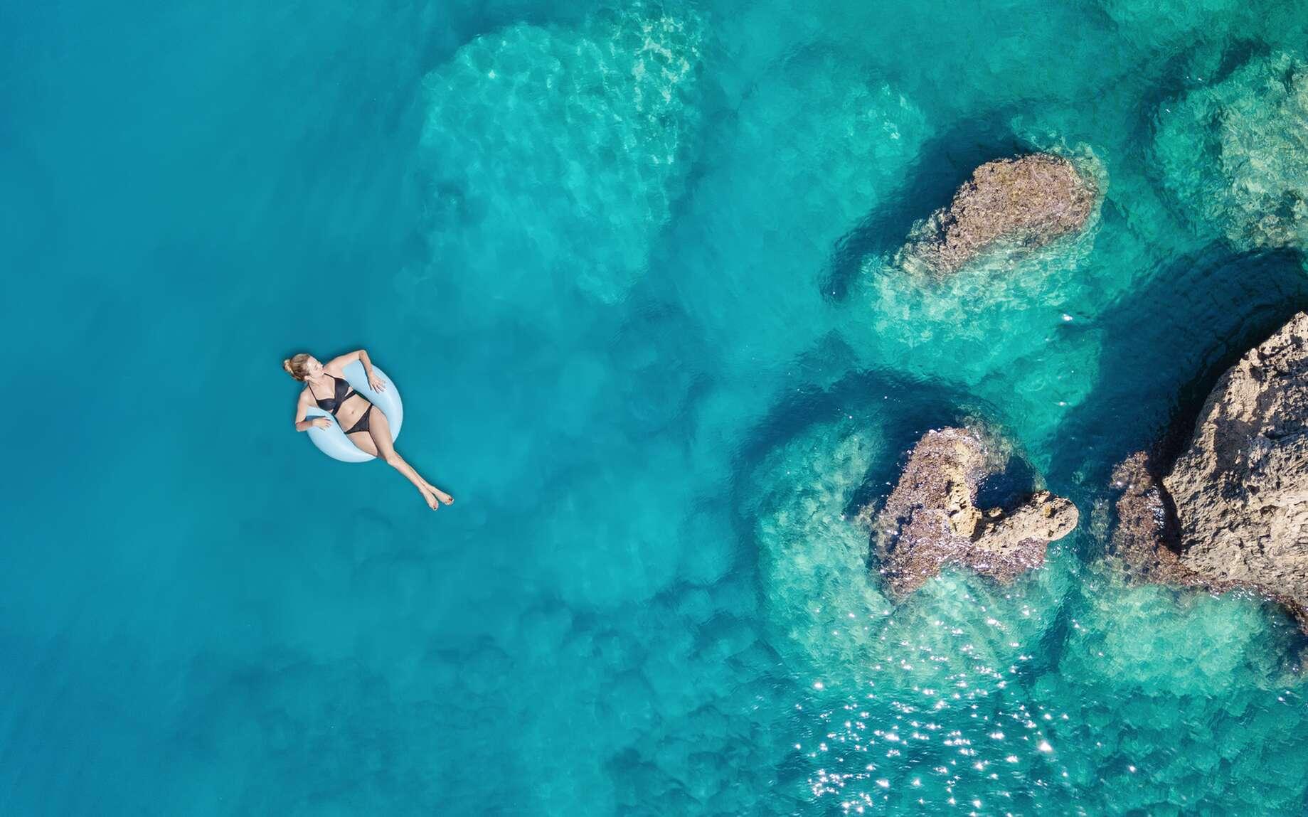 Pourquoi La Mer Est Elle Bleue