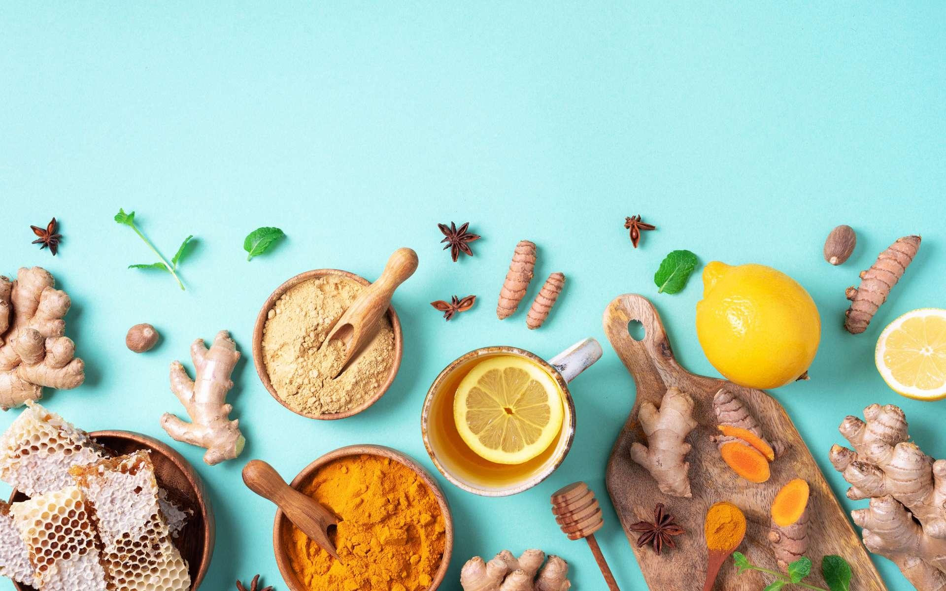 Des épices et des aliments sains réputés pour leurs bienfaits sur le système immunitaire ©jchizhe, envato