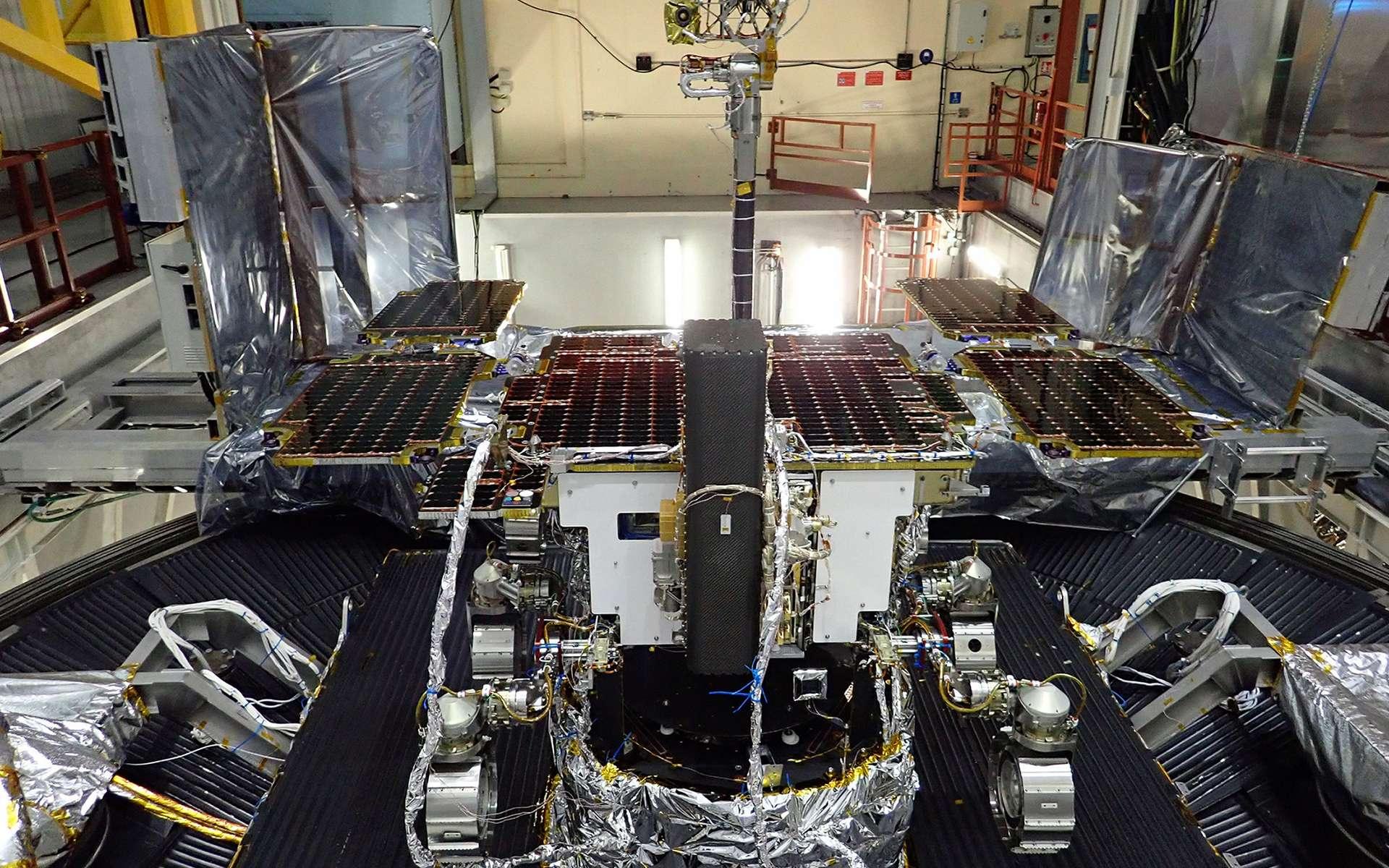Le rover ExoMars 2020, alias Rosalind Franklin, réalise ses essais de vide thermique