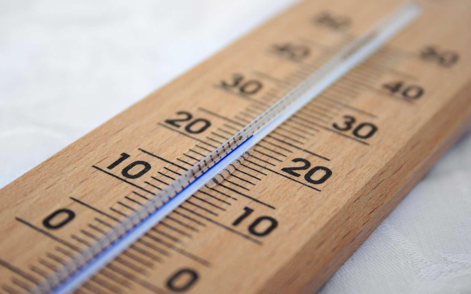 En piochant dans les sources d'énergie renouvelables inédites que sont les changements de température de l'air ambiant, le « résonateur thermique » viendrait notamment compléter les technologies existantes. © PxHere