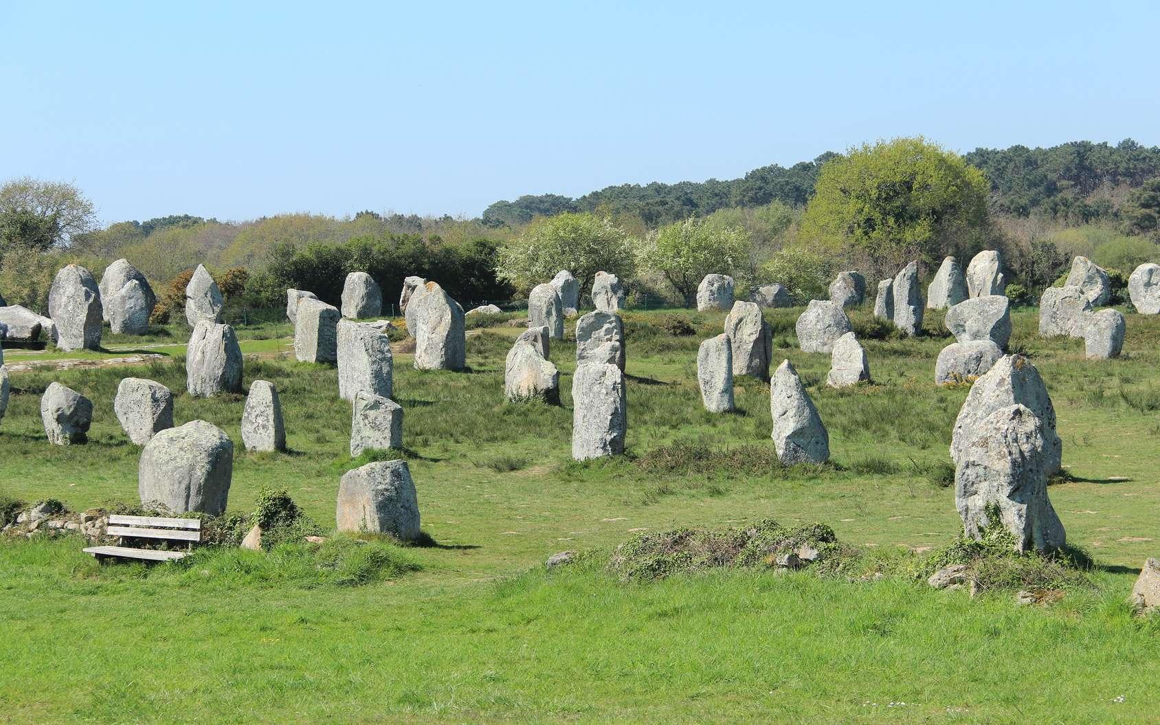 Les alignements mégalithiques de Carnac, en Bretagne. © d_e_r_i_c, fotolia