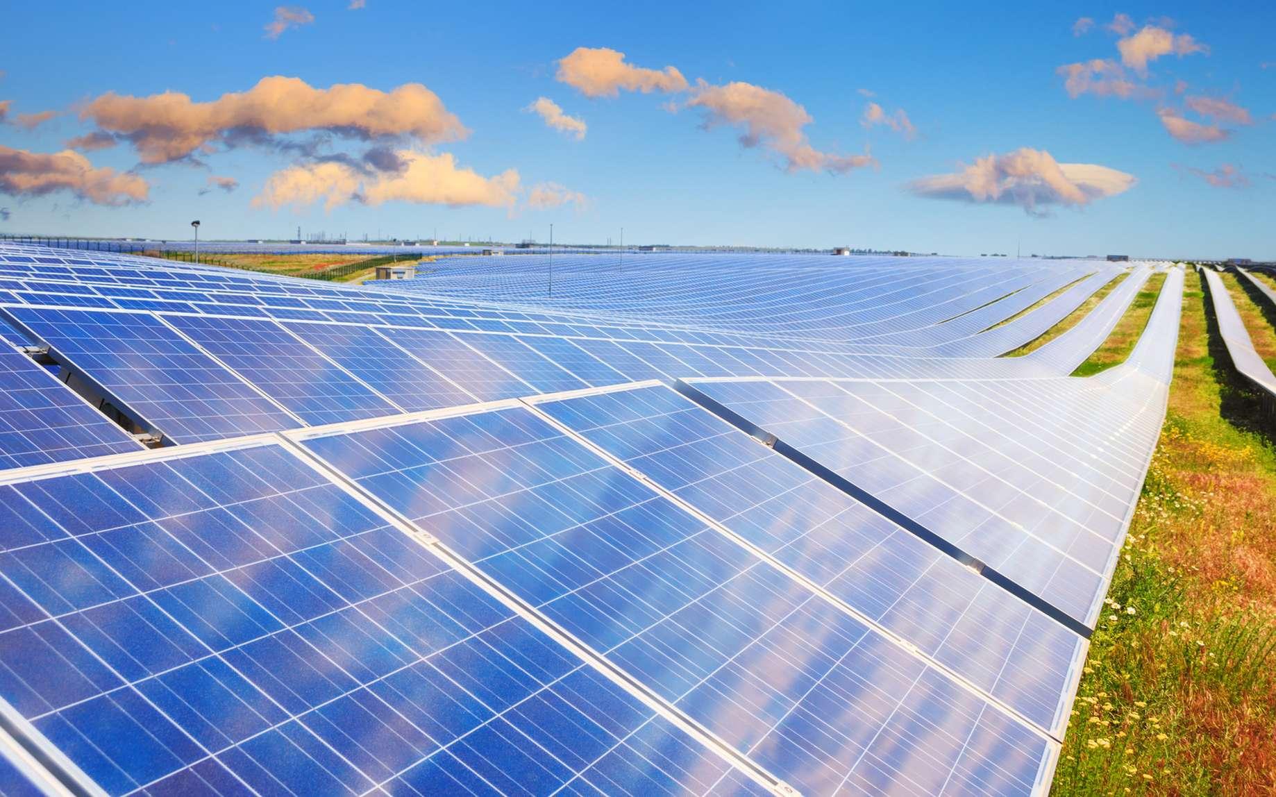 L'ingénieur en énergie renouvelable cherche des terrains compatibles avec l'accueil d'énergies propres et assure leur implantation. © FenrisWolf, Fotolia.