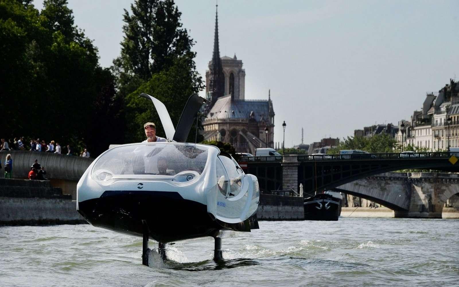 Le SeaBubbles d'Alain Thébault sera testé cet été sur la Seine. © SeaBubbles