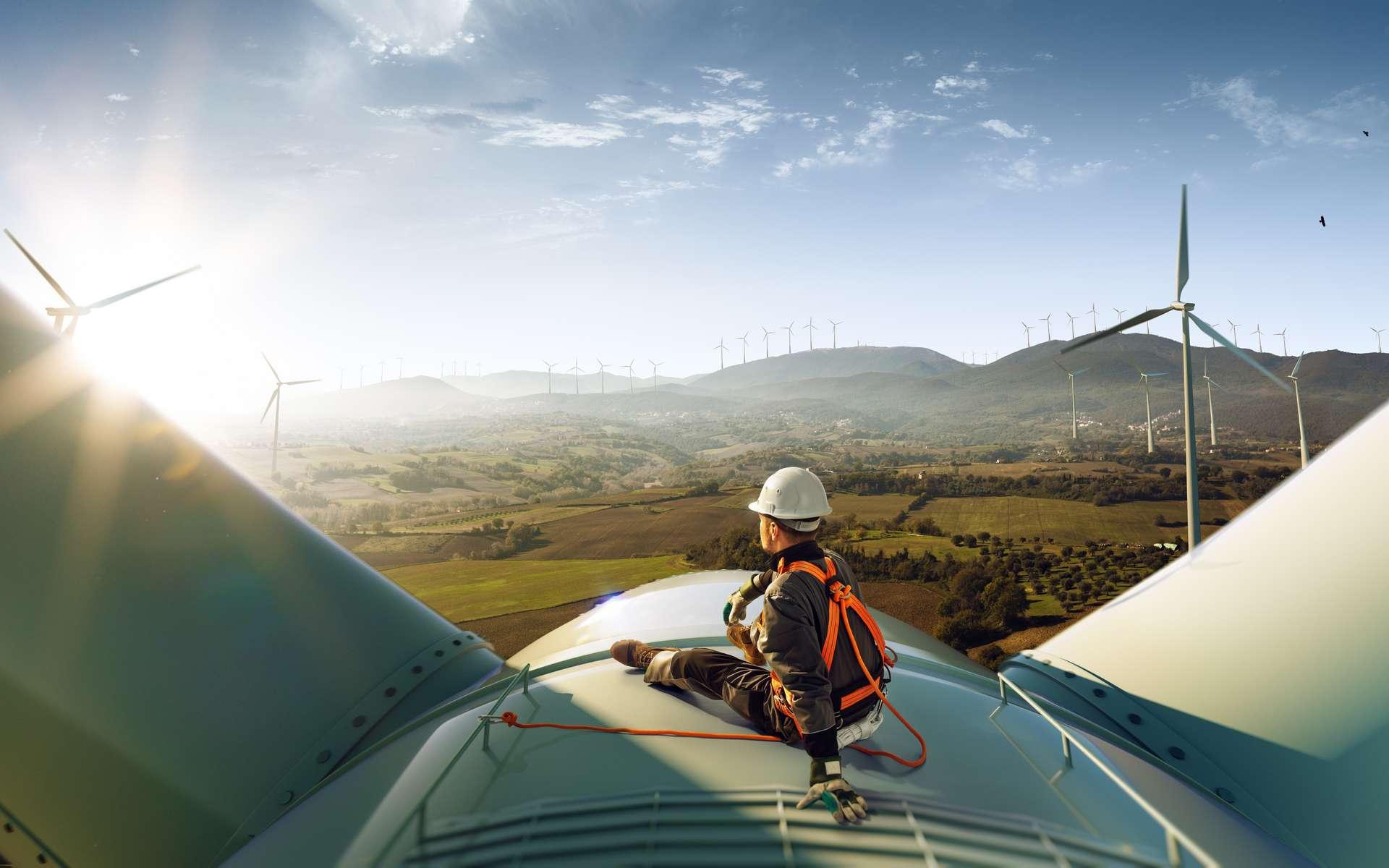 Qu'elle soit en mer ou sur terre, l'énergie éolienne est de plus en plus utilisée. © sidorovstock, Adobe Stock.