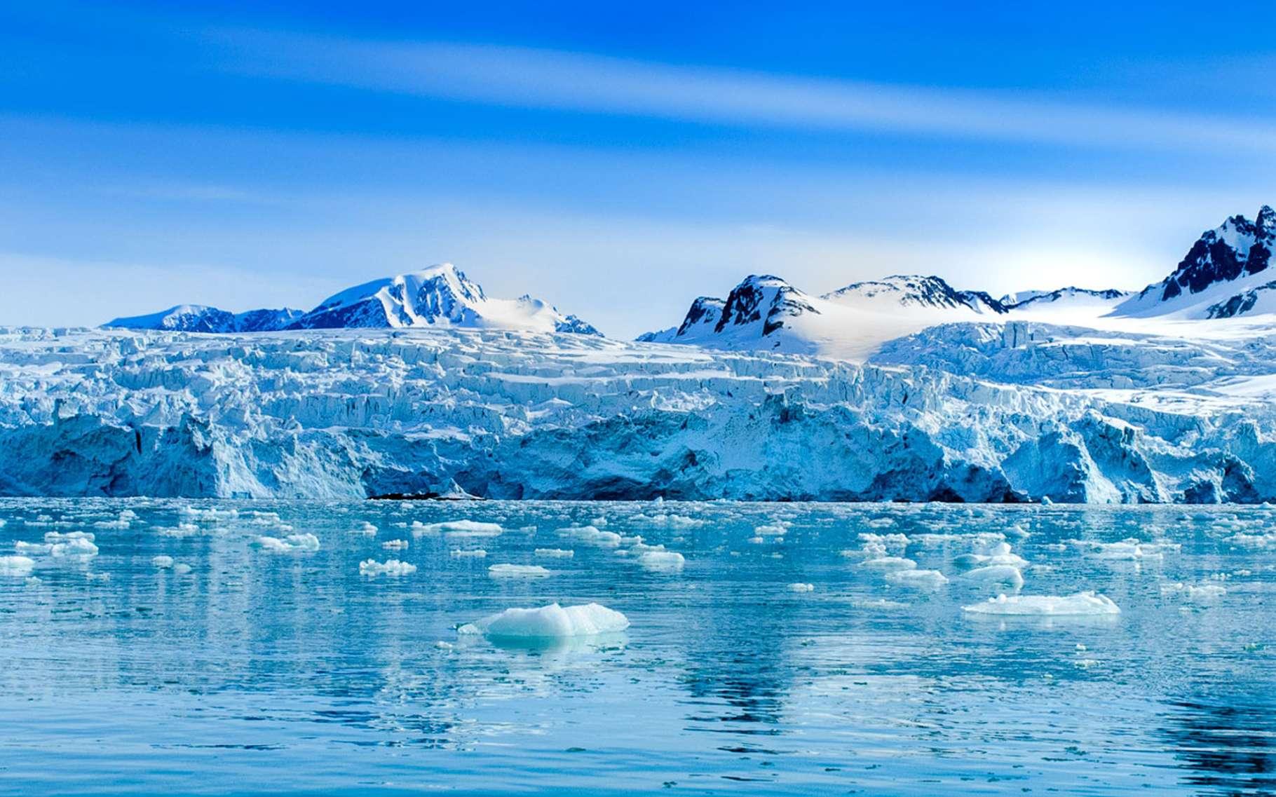 Il y a eau et eau : les proportions d'isotopes de l'oxygène et de l'hydrogène dans les molécules renseignent sur les conditions de formation de la neige, de la glace et même de la mousson. © DR