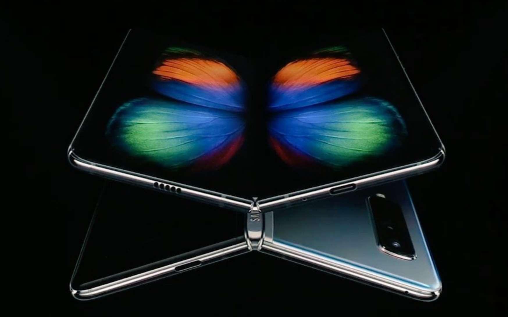 Le bel écran pliable du Galaxy Fold ne peut être utilisé sans le film de protection. Samsung n'avait pas insisté dessus. © Samsung