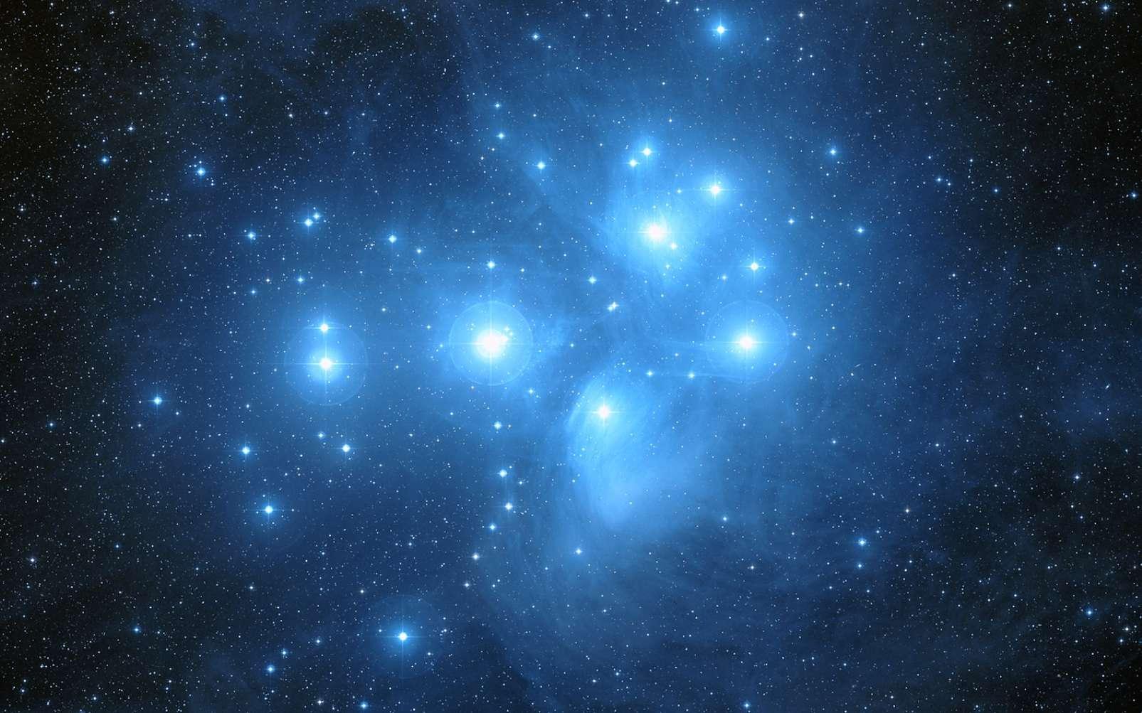 Le 3 avril, Vénus passera au plus près d'Alcyone, l'étoile la plus brillante des Pléiades. © SkySafari