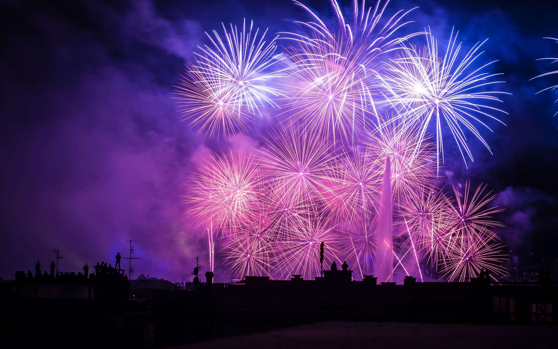 Les feux d'artifice engendrent une multiplication par quatre ou cinq du niveau de particules fines. © Ben O'Bro, Unsplash
