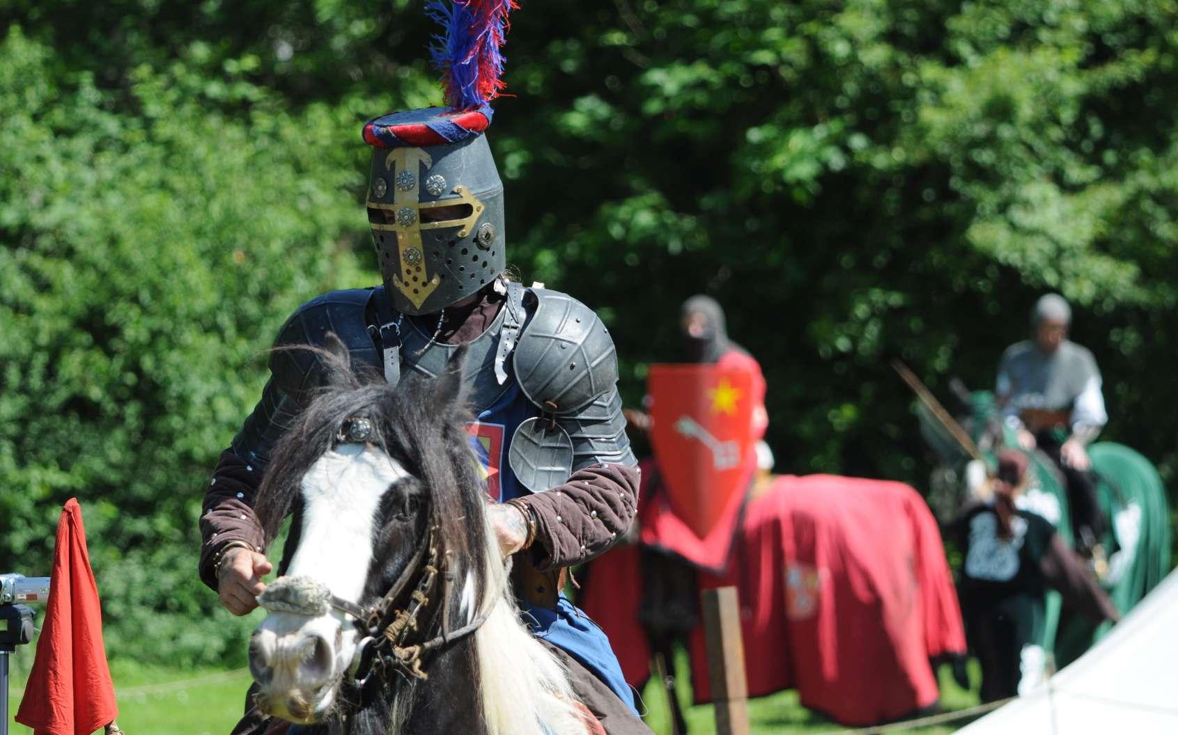 Au Moyen Âge, les tournois à cheval, très spectaculaires, étaient très prisés. © falpat86, fotolia
