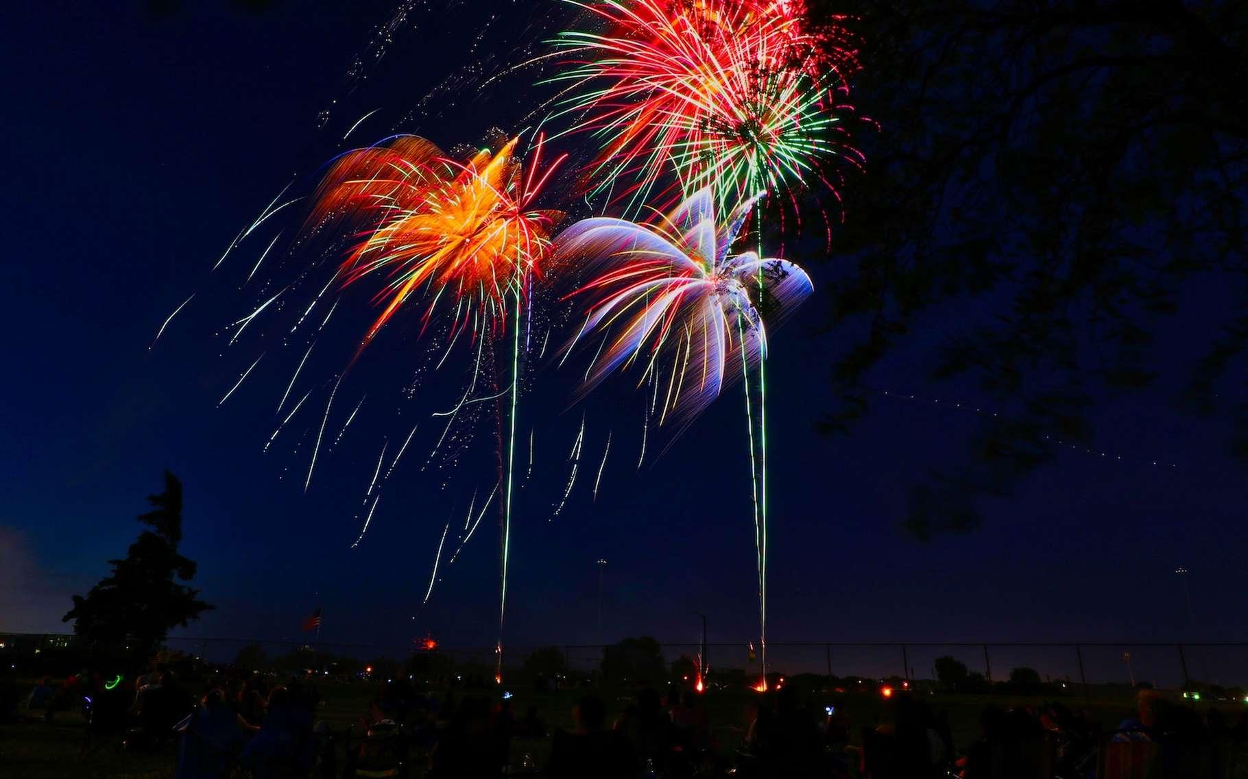 Les feux d'artifice sont utilisés en France pour célébrer la fête nationale du 14 juillet depuis 1880. © Thomas Evans, Unsplash