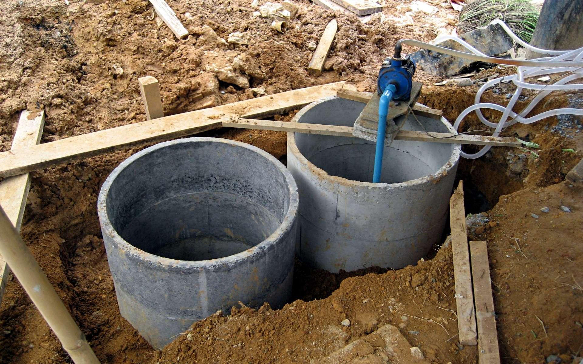 La ventilation de fosse septique est nécessaire pour évacuer les gaz. © Khaosaming, Wikimedia Commons, CC BY-SA 3.0