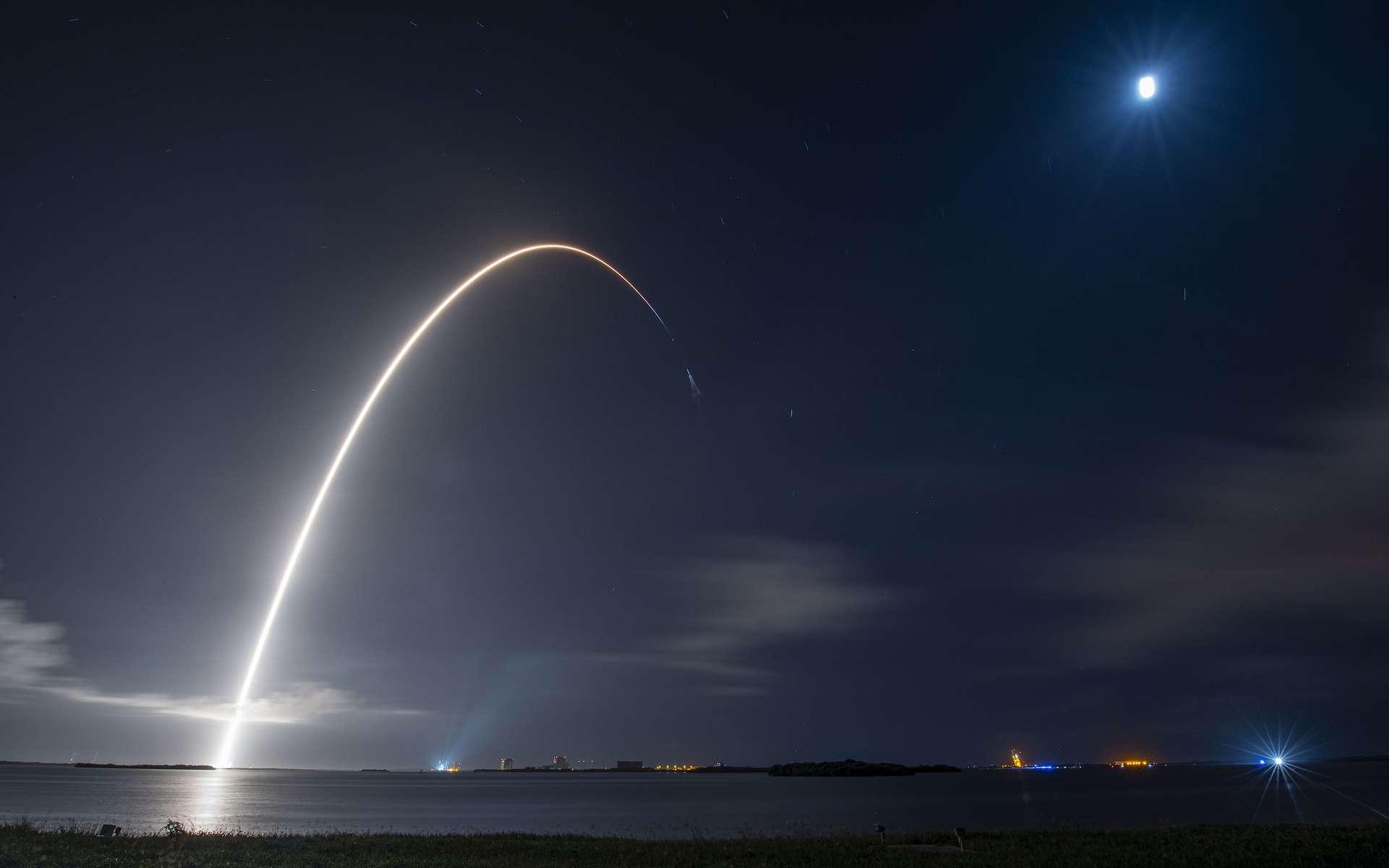 suivez le décollage de la première mission spatiale de l'histoire uniquement composée de touristes