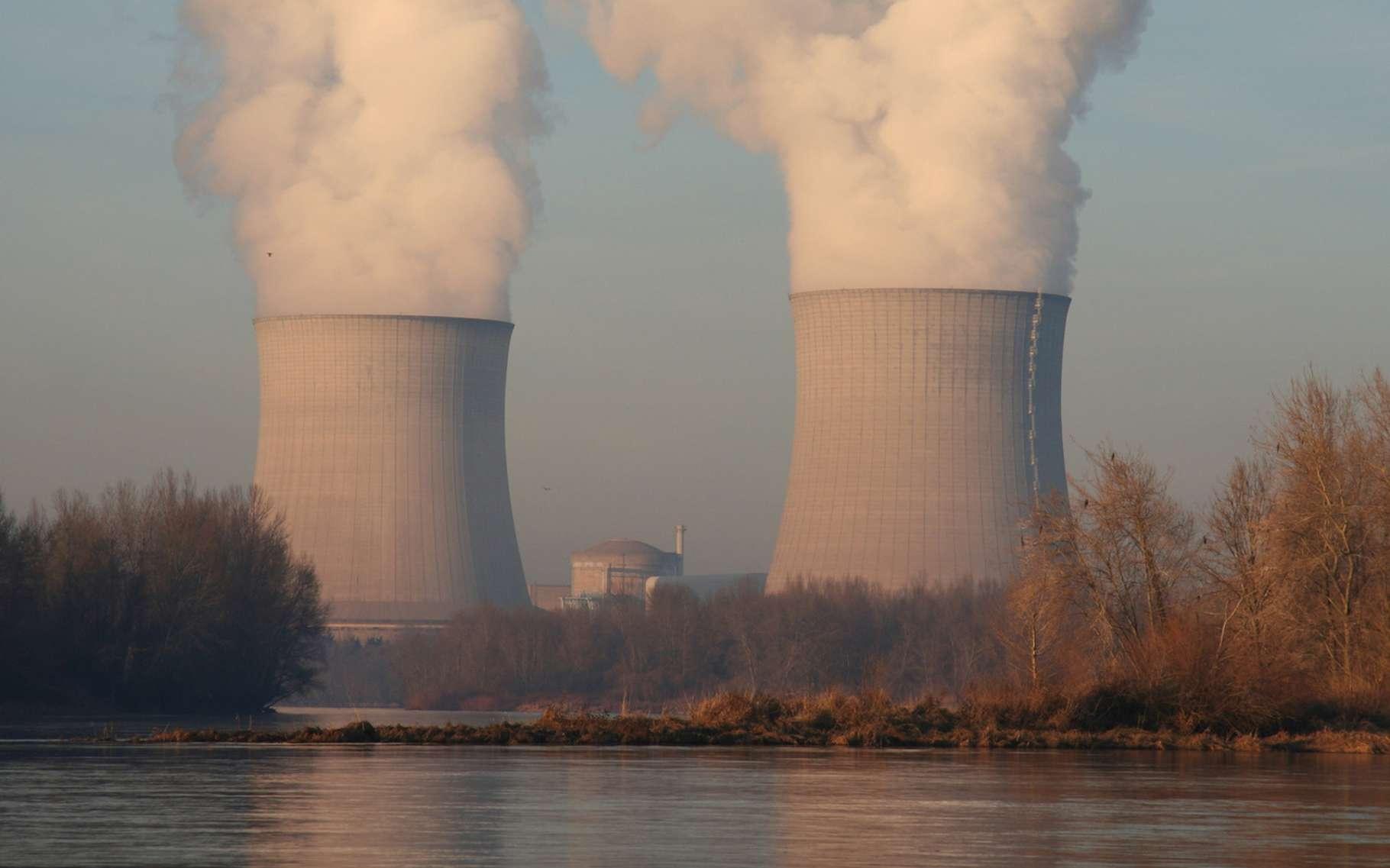 Même si elle estime qu'il n'y a aucun danger pour la santé, l'Autorité de sureté nucléaire va enquêter suite à la publication de chiffres indiquant une concentration anormalement élevée de tritium dans les eaux de la Loire en janvier 2019, en aval de cinq centrales nucléaires. © Guillaume Besnard, Fotolia