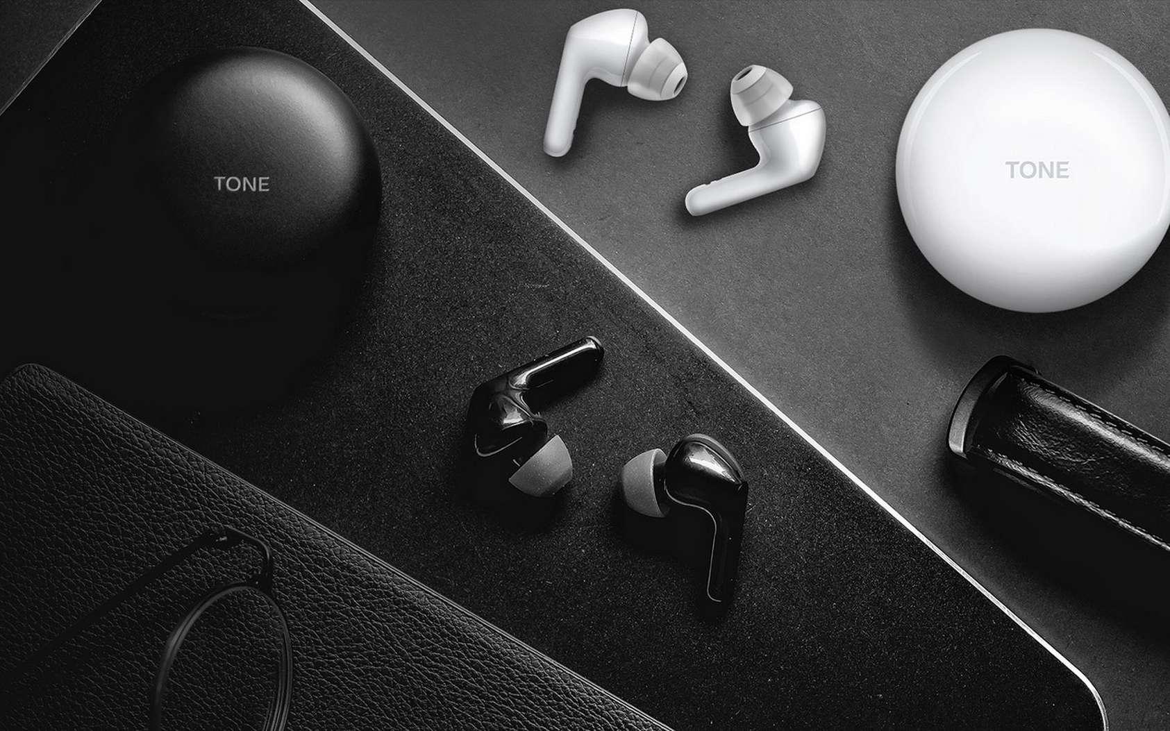 Les écouteurs true wireless LG Tone Free HBS-FN6 sont disponibles en blanc ou en noir. © LG