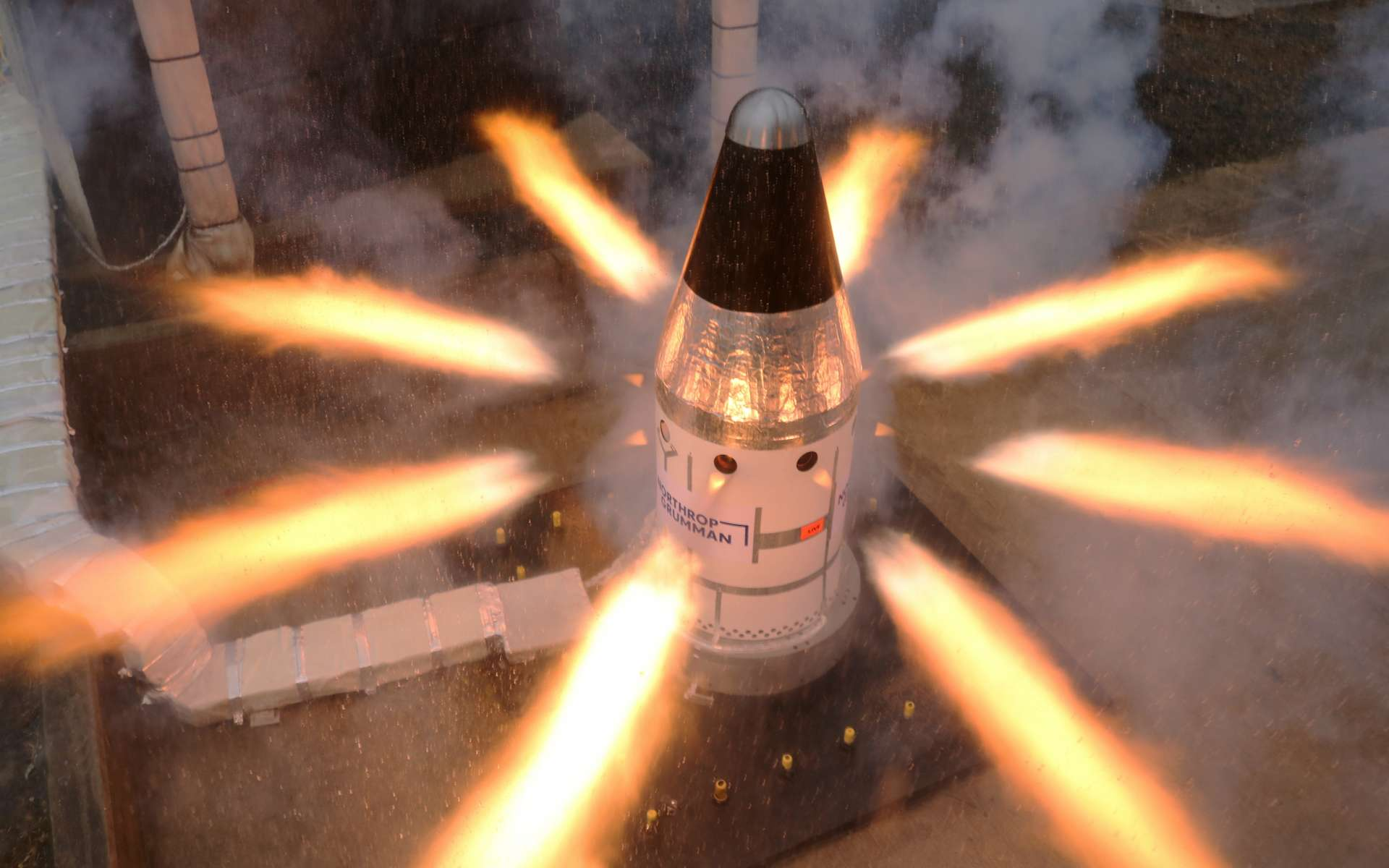 Nasa : regardez la mise à feu spectaculaire du système de sauvetage des astronautes