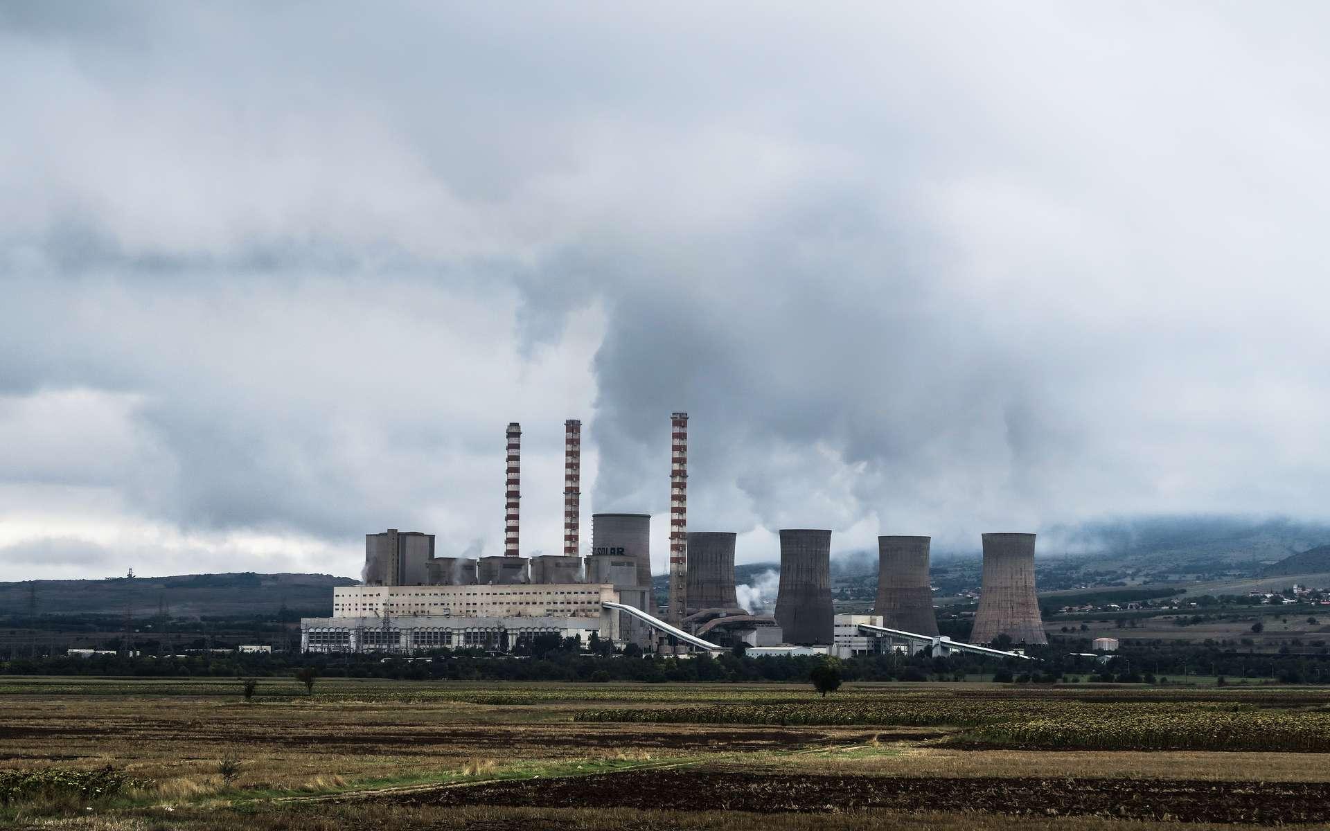 La Chine continue massivement à construire des centrales à charbon. © Jason Blackeye, Unsplash.jpg