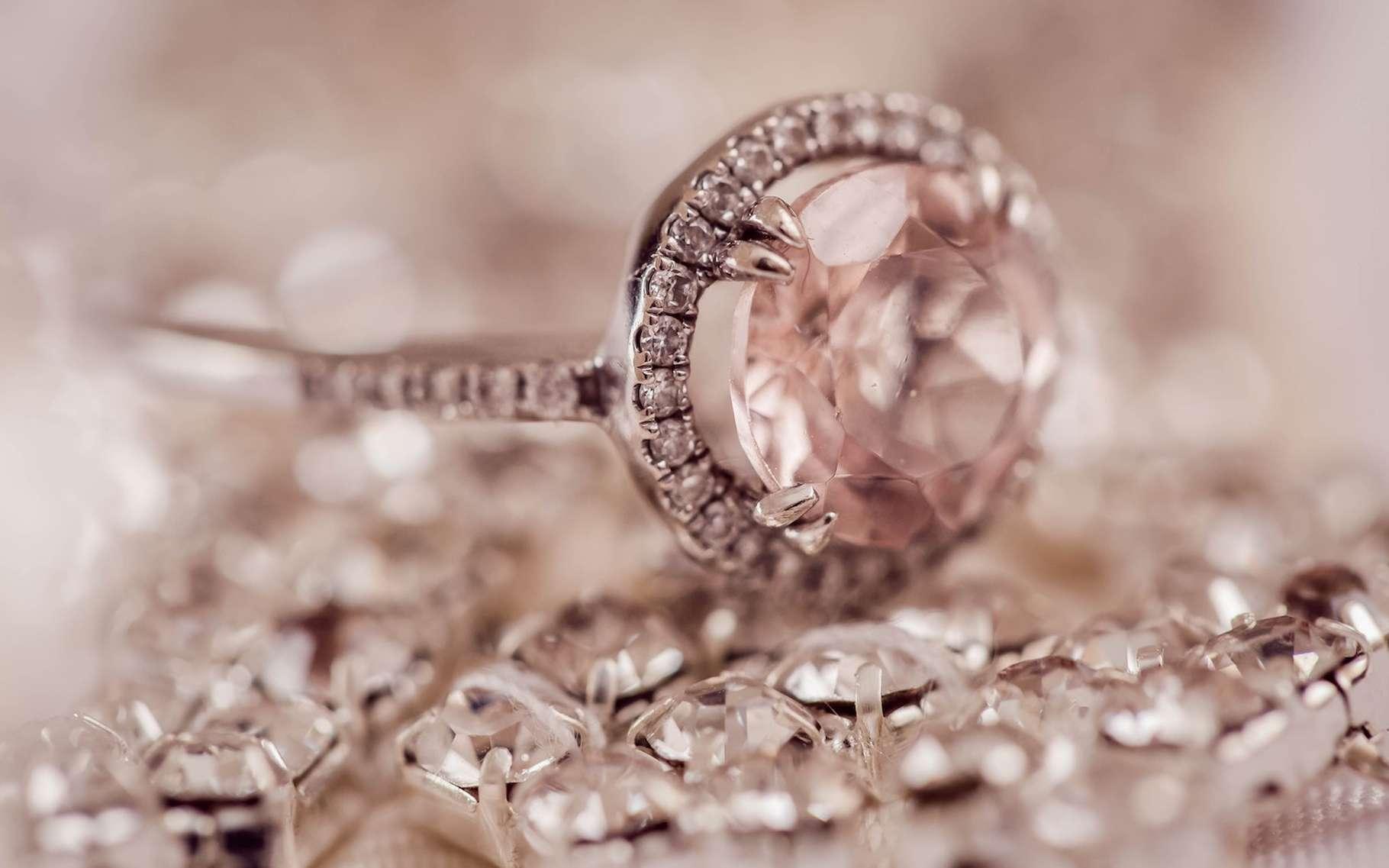 En analysant les vitesses de propagation d'ondes sonores sous la croûte terrestre, des chercheurs ont découvert la présence, en certains endroits particuliers, d'une grande quantité de diamants. © Anne Edgar, Unsplash