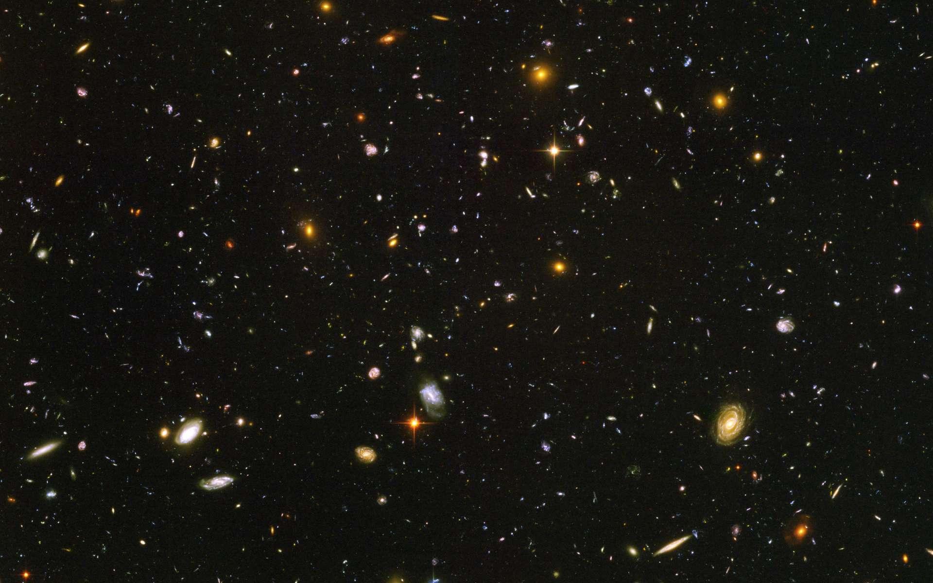 La cosmologie a bénéficié des observations réalisées en champ ultra-profond par le télescope spatial Hubble. © Nasa, Esa, S. Beckwith et l'équipe HUDF
