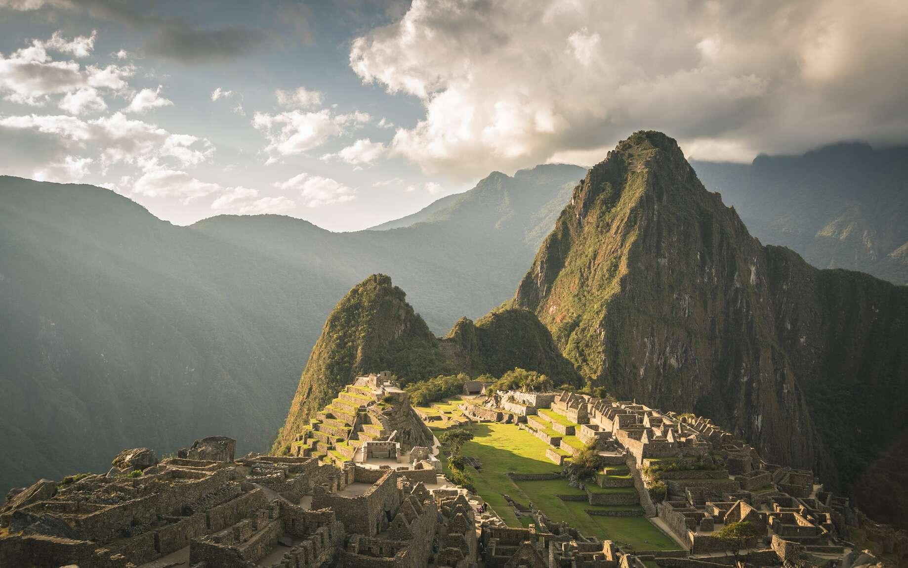L'un des plus beaux circuits de randonnée du monde : le chemin de l'Inca. Le magnifique site de Machu Picchu est une des étapes de périple de 45 km, à parcourir en 4 jours. © fabio lamanna, fotolia