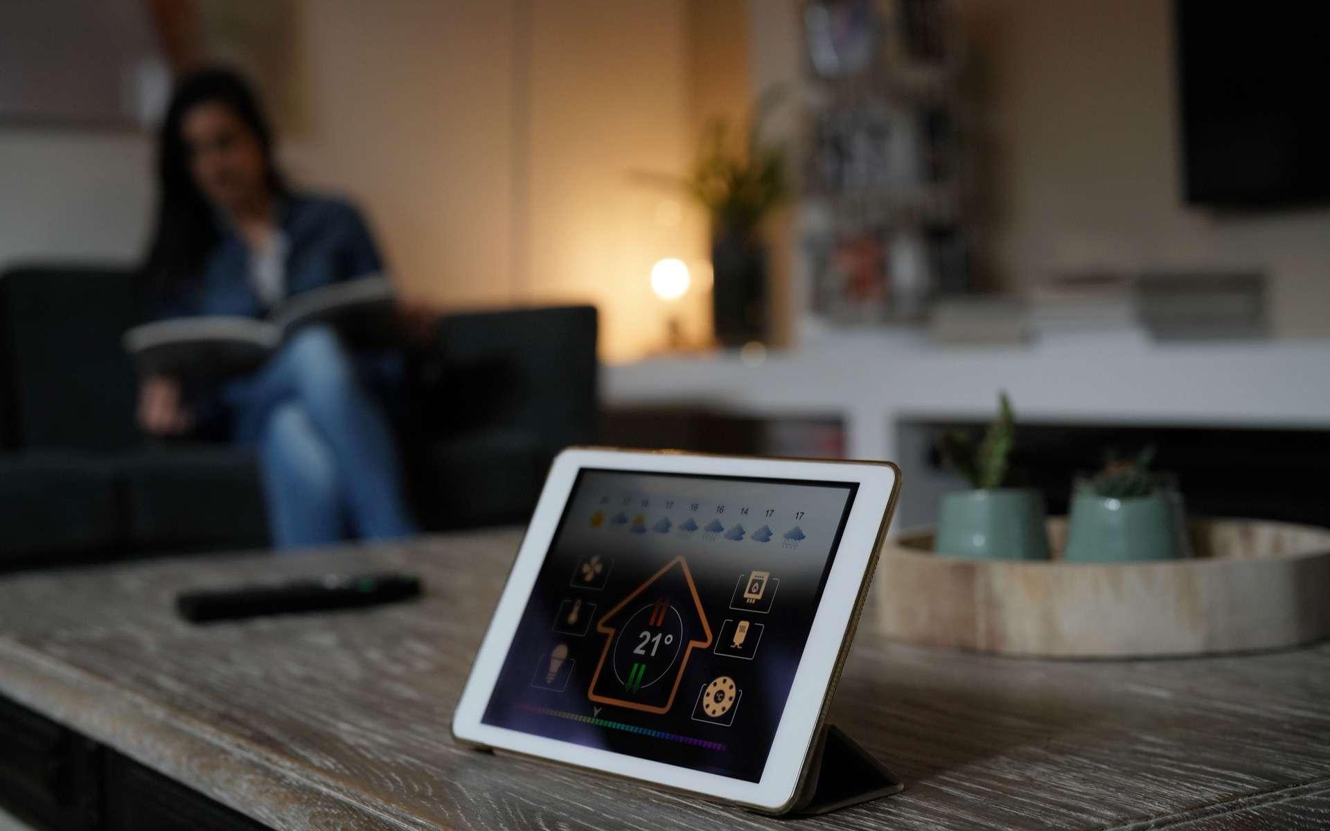 Domotique, smart home et maison connectée, voici les définitions et applications des technologies au service de nos maisons. © goodluz, Adobe Stock