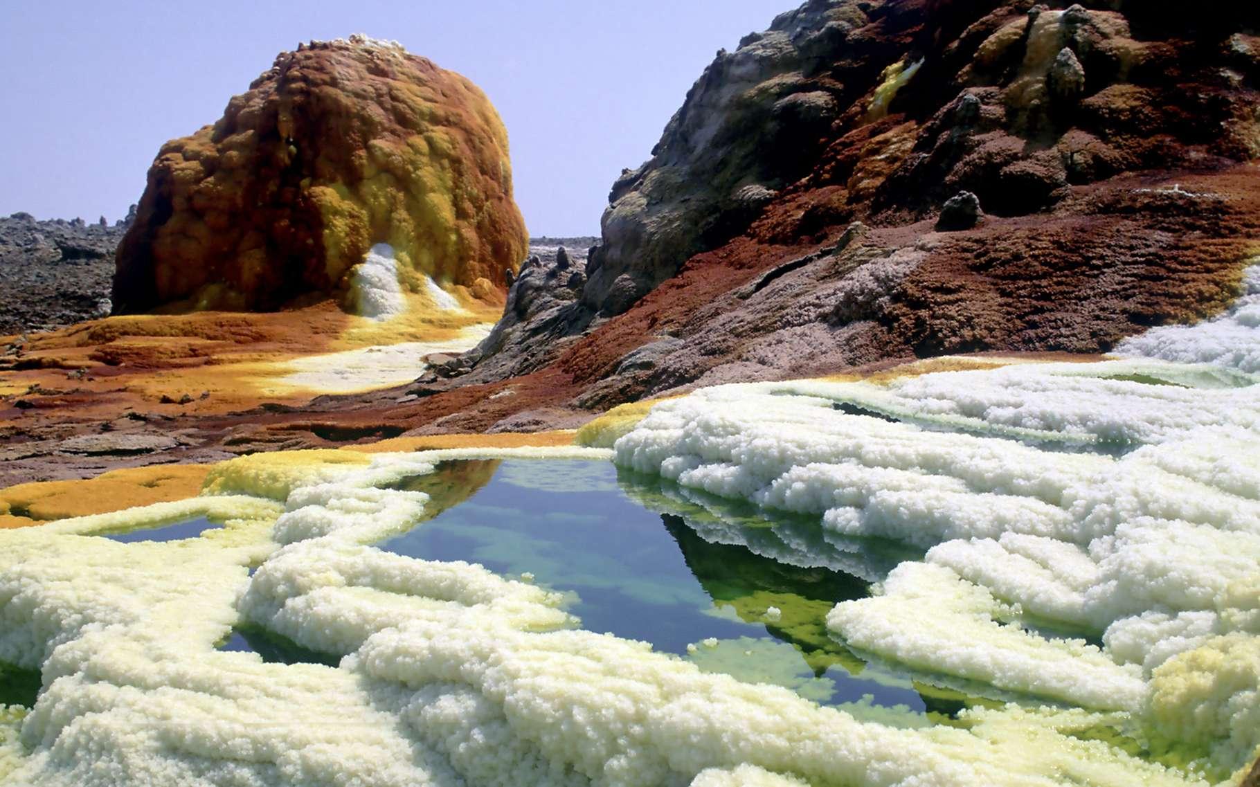 Rarement visités mais diversifiés, les massifs volcaniques d'Éthiopie exhibent des caractéristiques géologiques originales et des paysages magnifiques. © DR