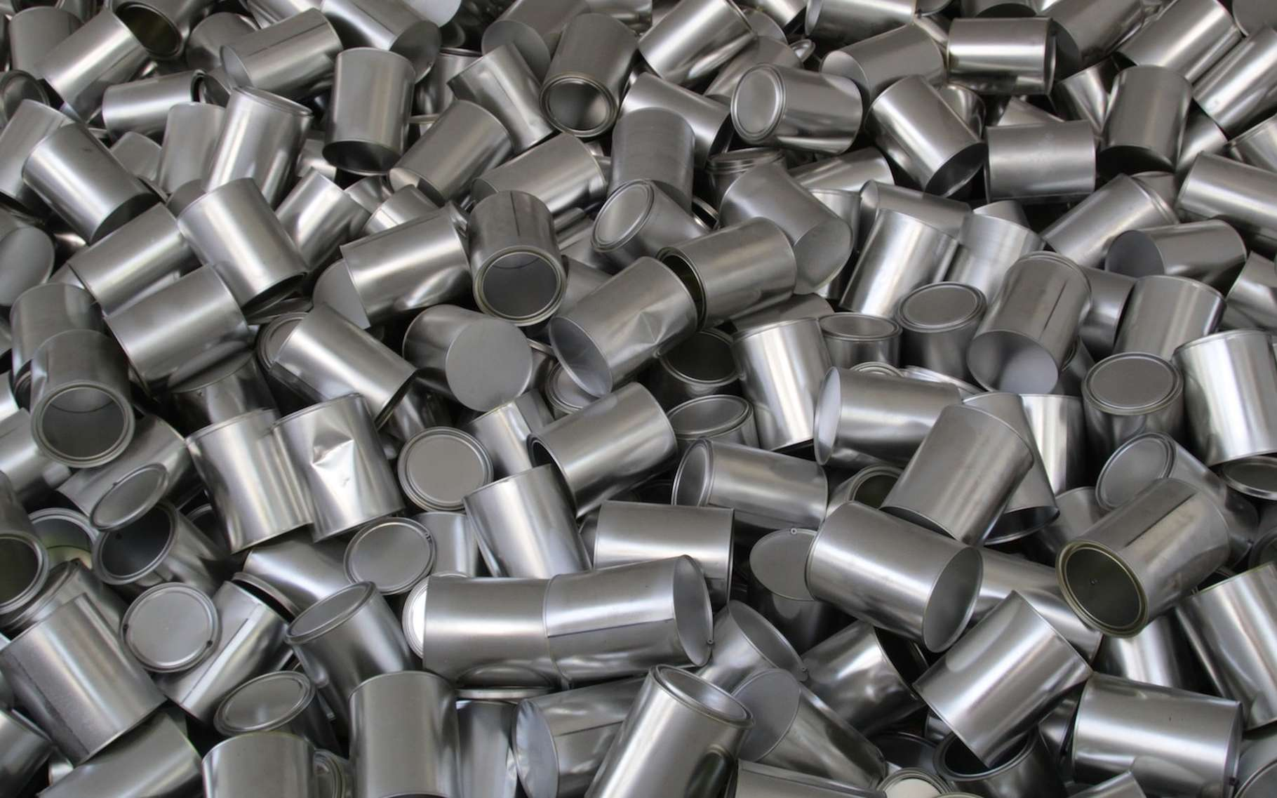 Le borure de titane est utile comme inoculant par l'industrie de l'aluminium. © ziodanilo, Pixabay, CC0 Creative Commons