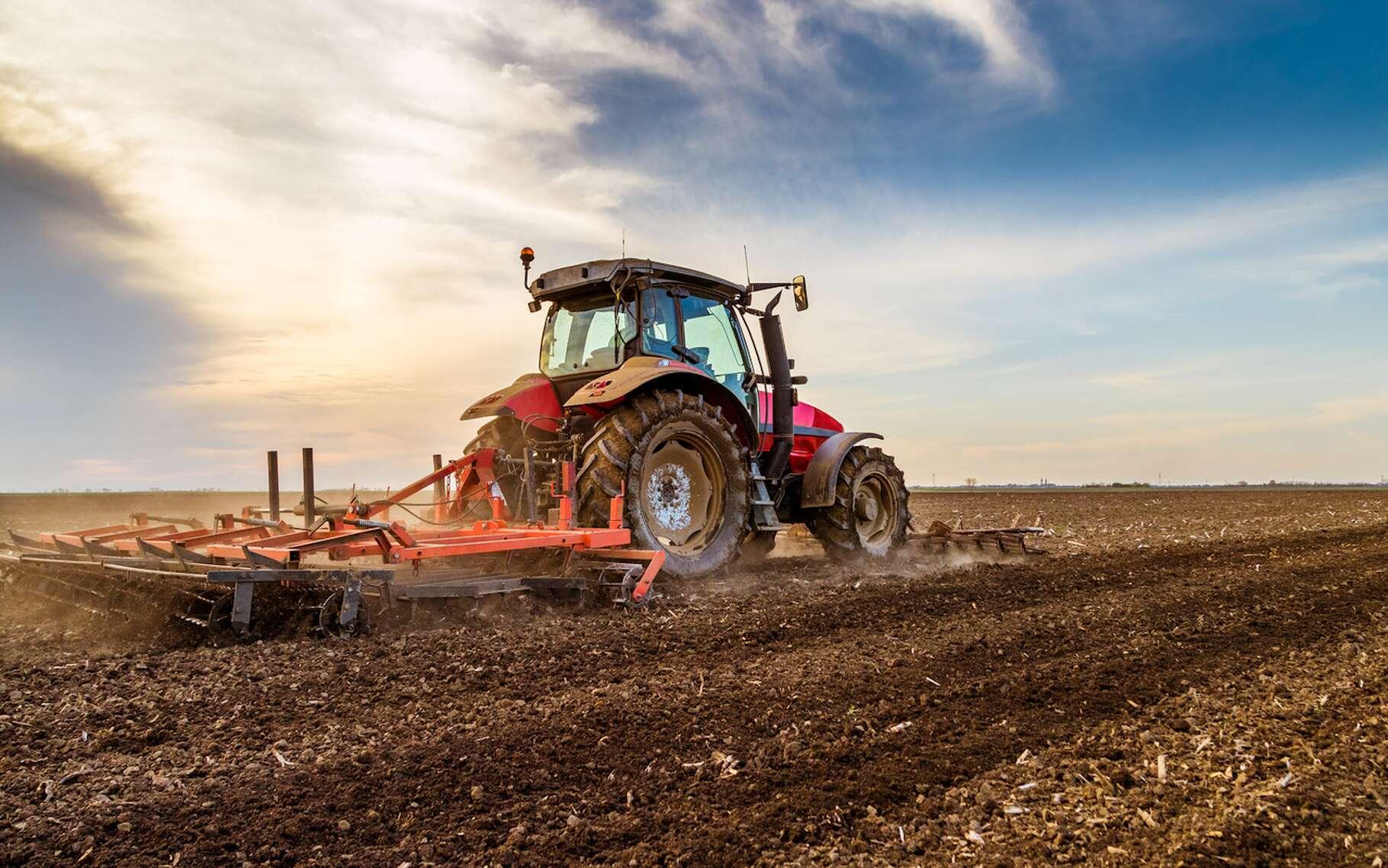 Au-delà du tracteur, c'est l'ensemble de l'équipement agricole qui s'appuiera demain sur des innovations pour doper les productions dans le respect de l'environnement. © oticki, Fotolia