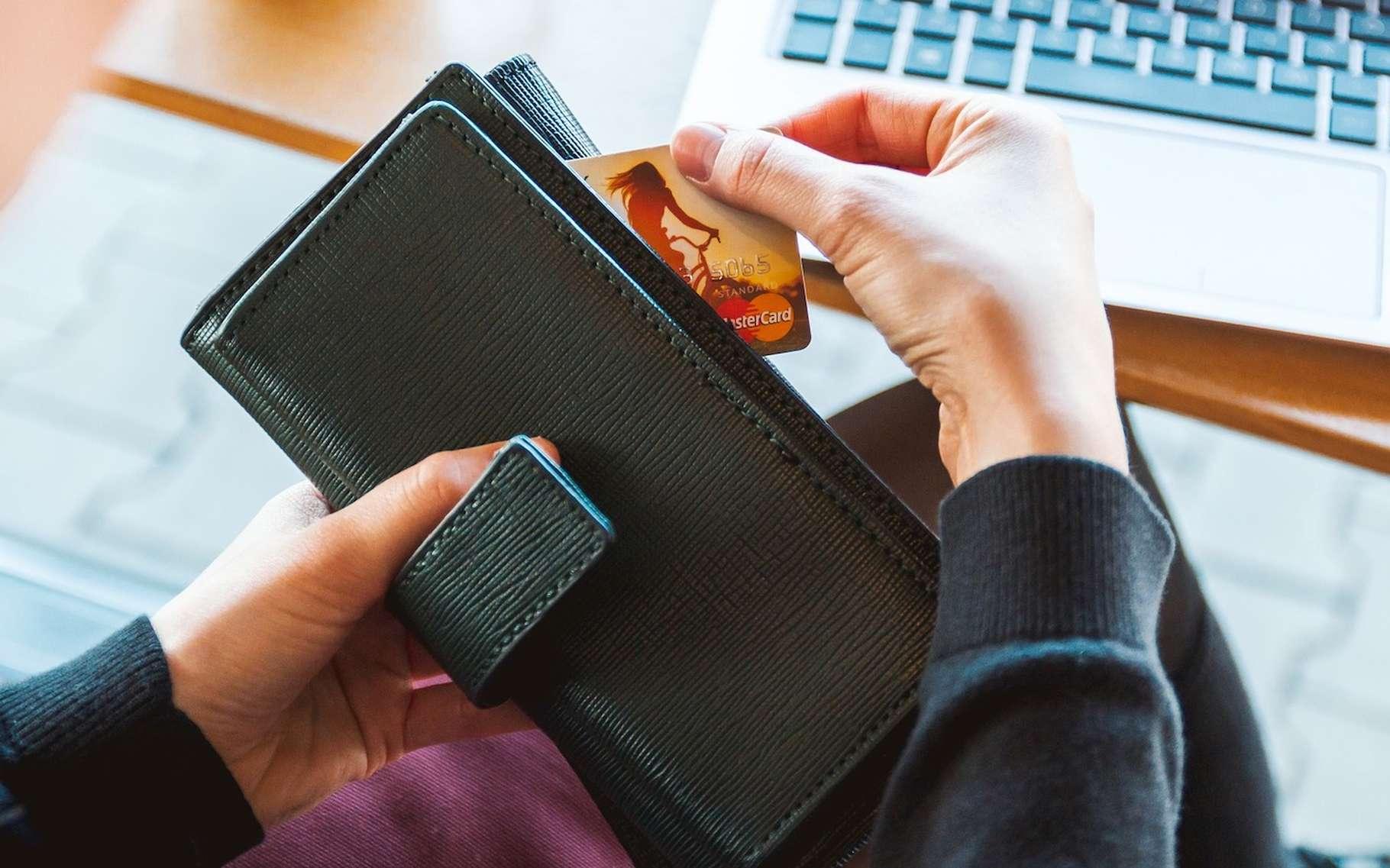 Les banques en ligne respectent les mêmes règles que les banques traditionnelles. Ouvrir un compte en ligne ne présente donc pas de risque particulier. © JESHOOTS, Pixabay, CC0 Public Domain