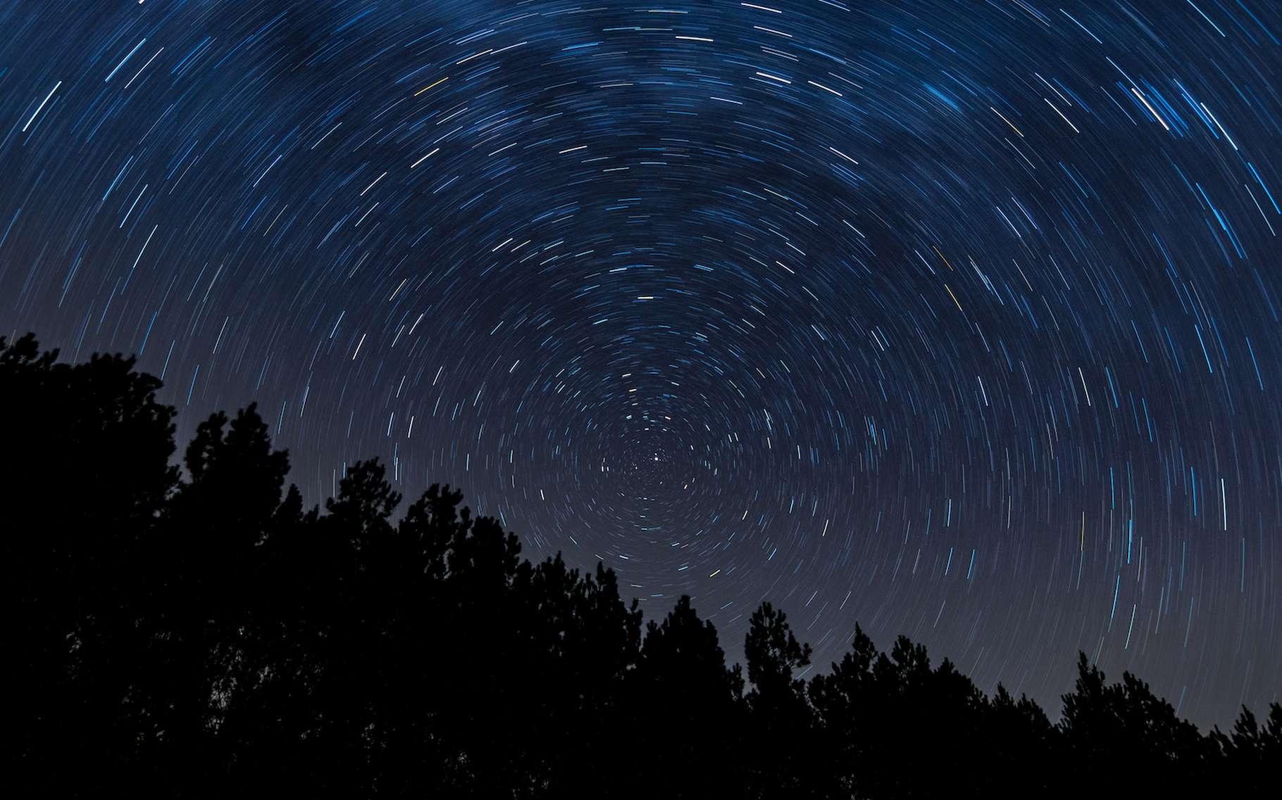 Certains rêvent de décrocher la Lune. À défaut, la European Association for Astronomy Education (EAAE) et l'Observatoire Européen Austral (ESO) proposent aux jeunes d'attraper des étoiles! © Stephen Rahn, Isorepublic, CC0 Creative Commons