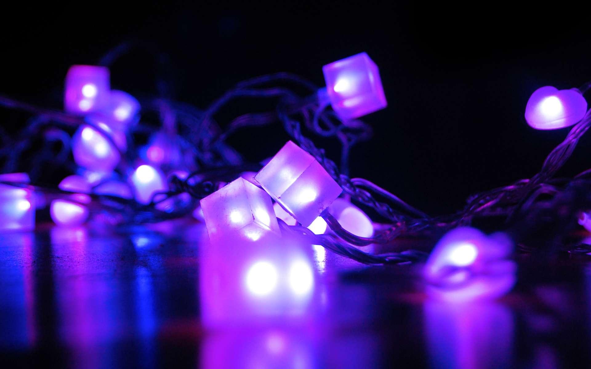 Les diodes électroluminescentes font partie de notre quotidien, entre autres du fait de leur rendement énergétique intéressant. © Russel McGovern, Flickr, CC by-nc-nd 2.0