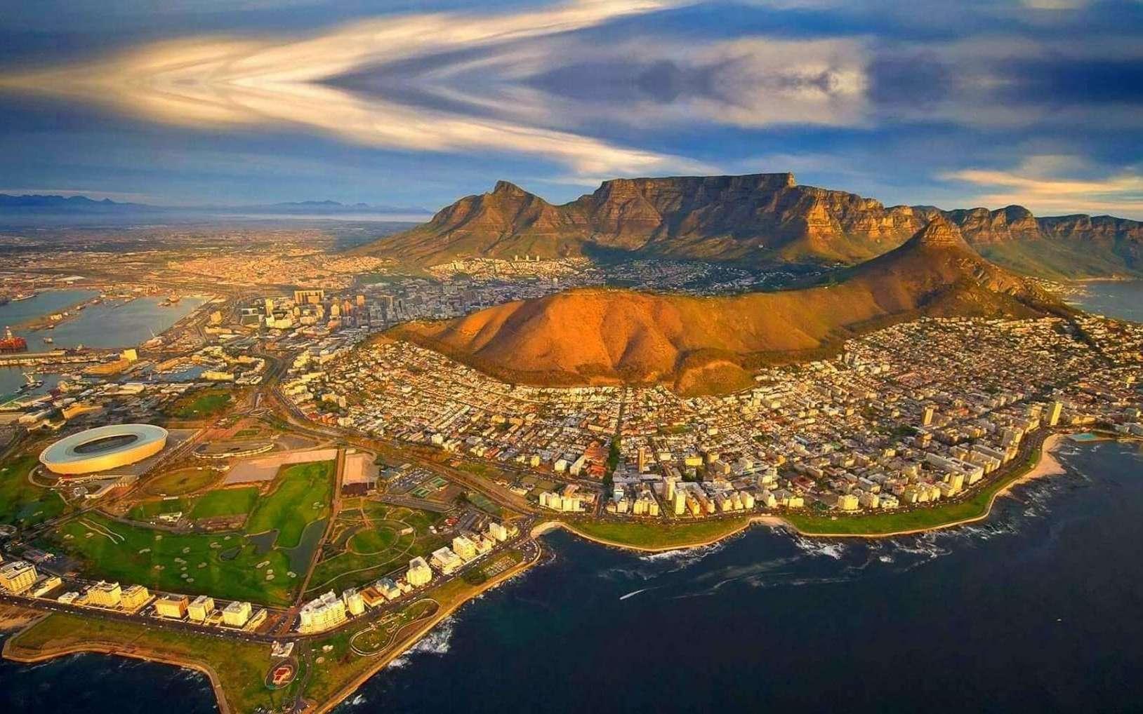 Photo aérienne : Le Cap, Afrique du Sud. © Afrique du Sud Découverte.