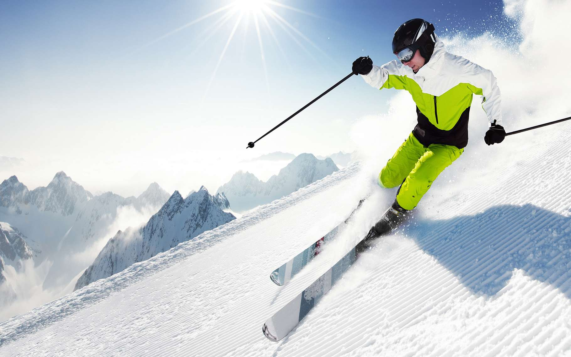 La tribologie s'applique aussi au matériel sportif lorsqu'elle optimise les surfaces – des skis, par exemple – pour leur assurer un meilleur glissement. © IM_photo, Shutterstock