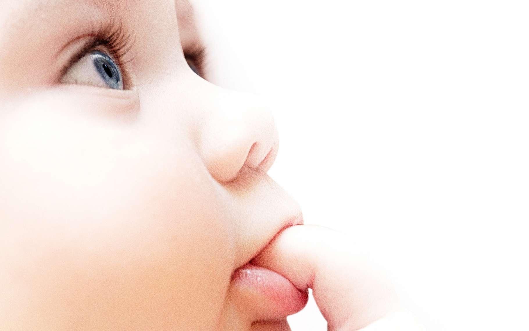 La peau des bébés est riche en fibroblastes, capables de se transformer en cellules adipeuses. De quoi les aider à lutter contre certains types d'infections. © Zffoto, Fotolia