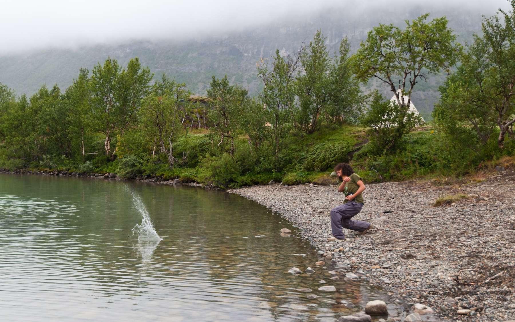 Pour faire des ricochets sur l'eau, il faut réunir plusieurs conditions. © Raphaël Vandon, Flickr, CC by-nc-nd 2.0